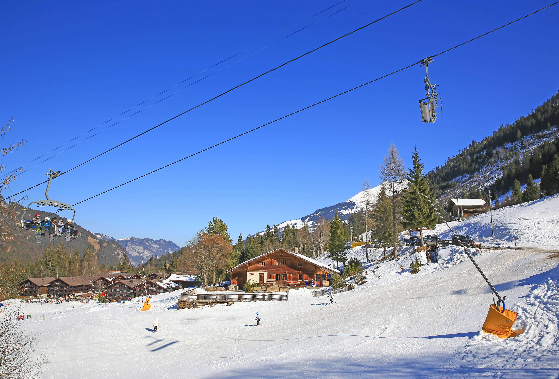 Aussenansicht Winter Sesselbahn