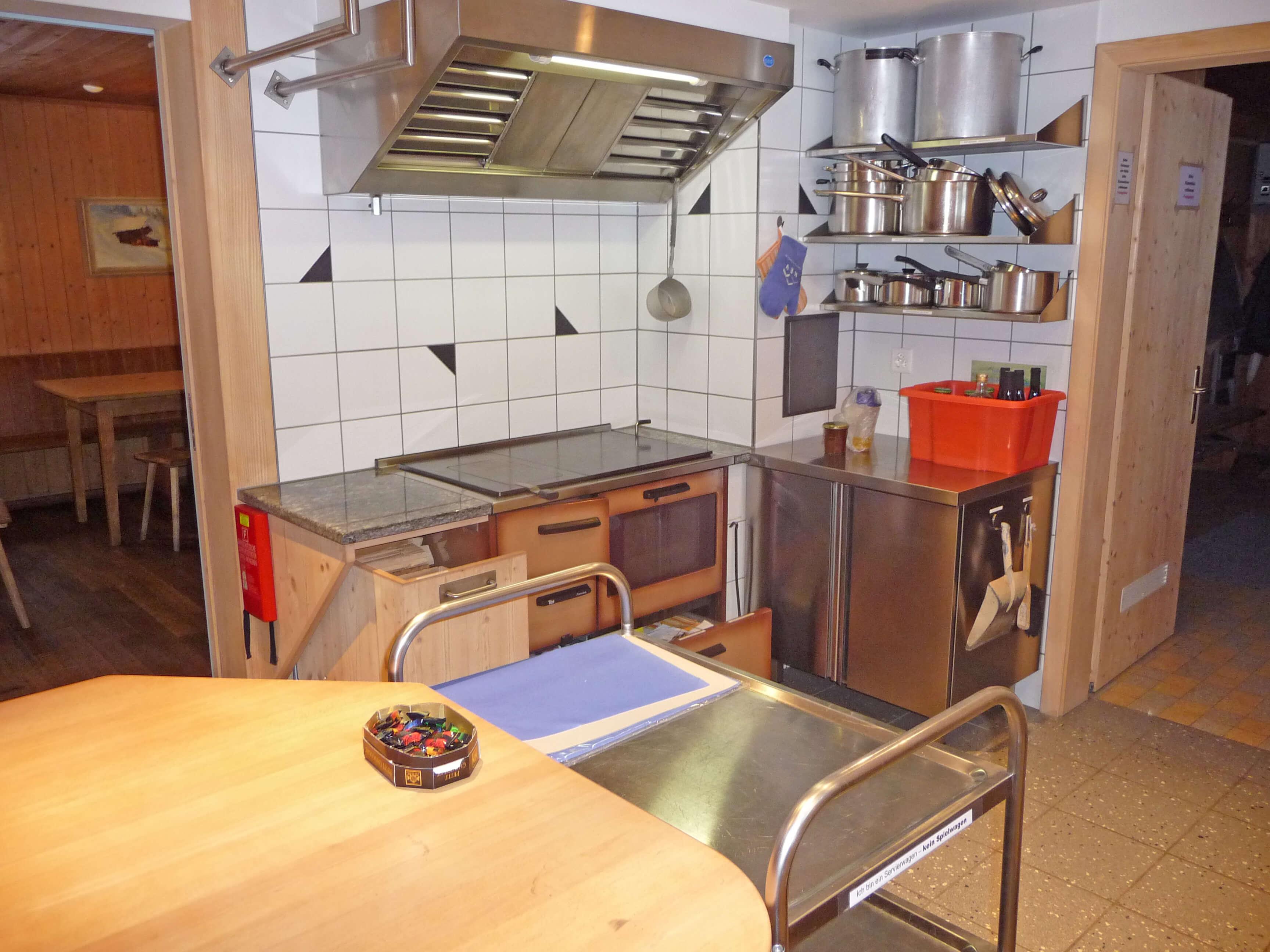 Küche Holzofen Staldenmaadhütte