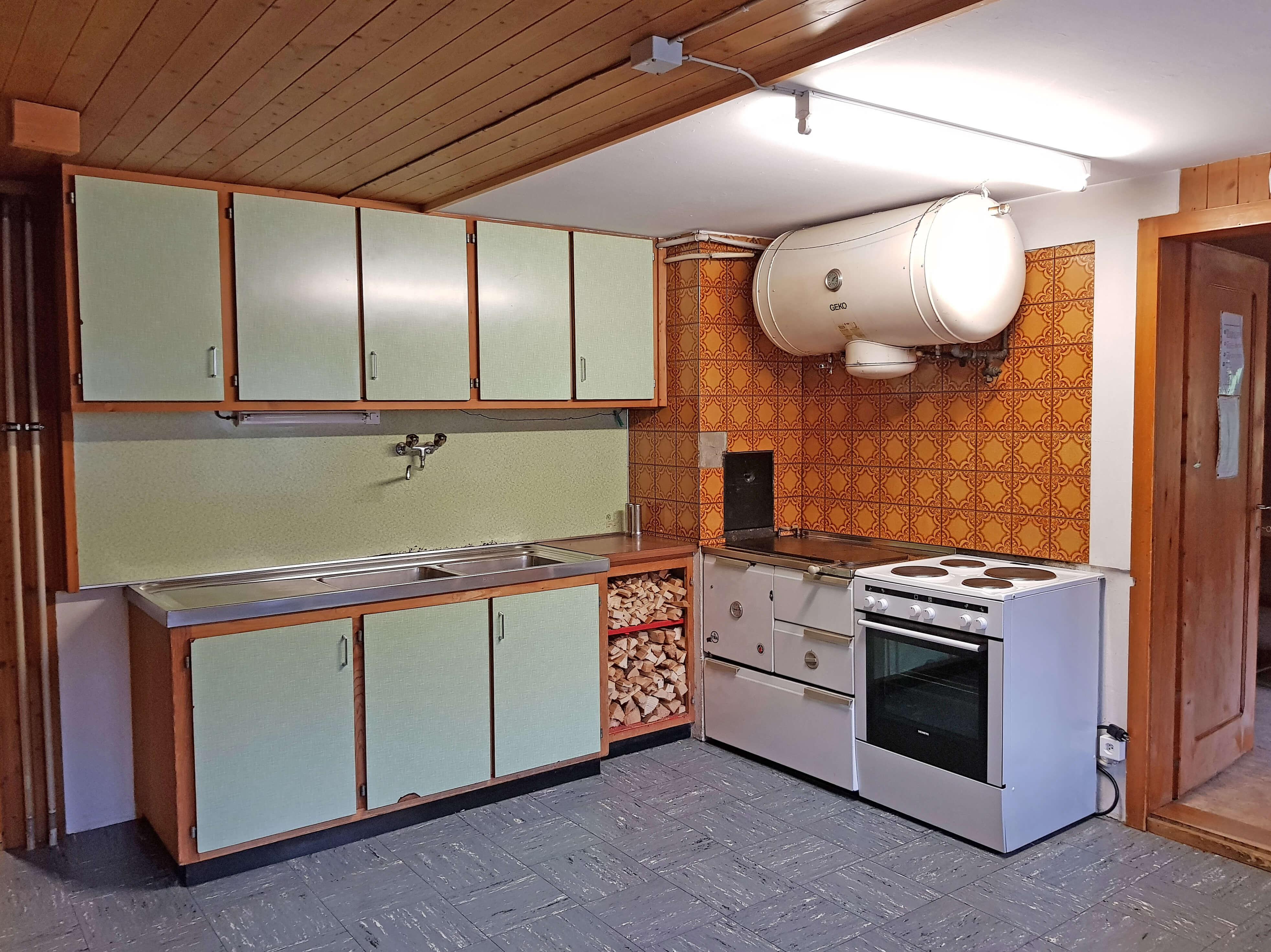 Hintere Nidegg Küche Holzofen