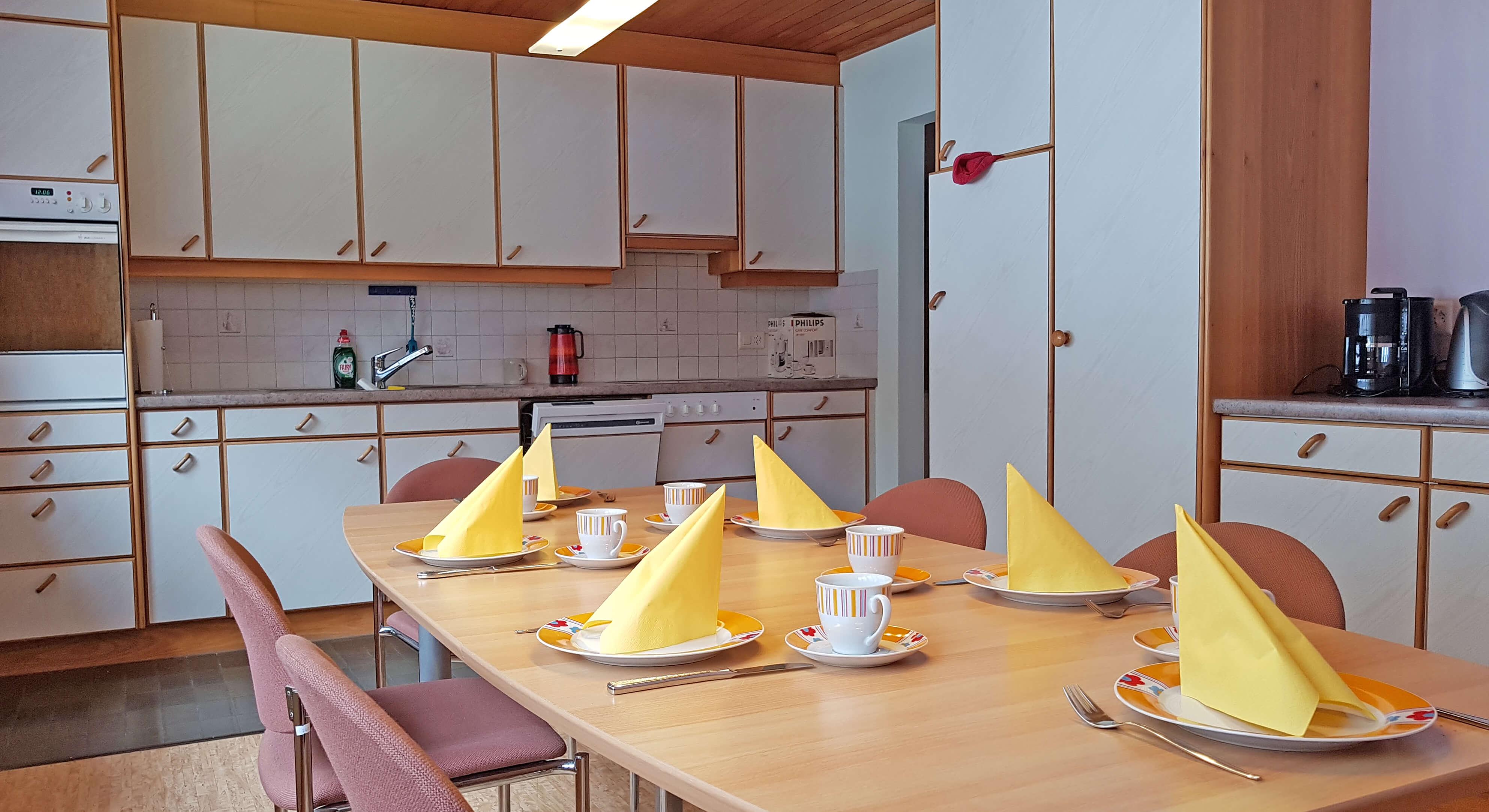 Küche Tisch Kombination