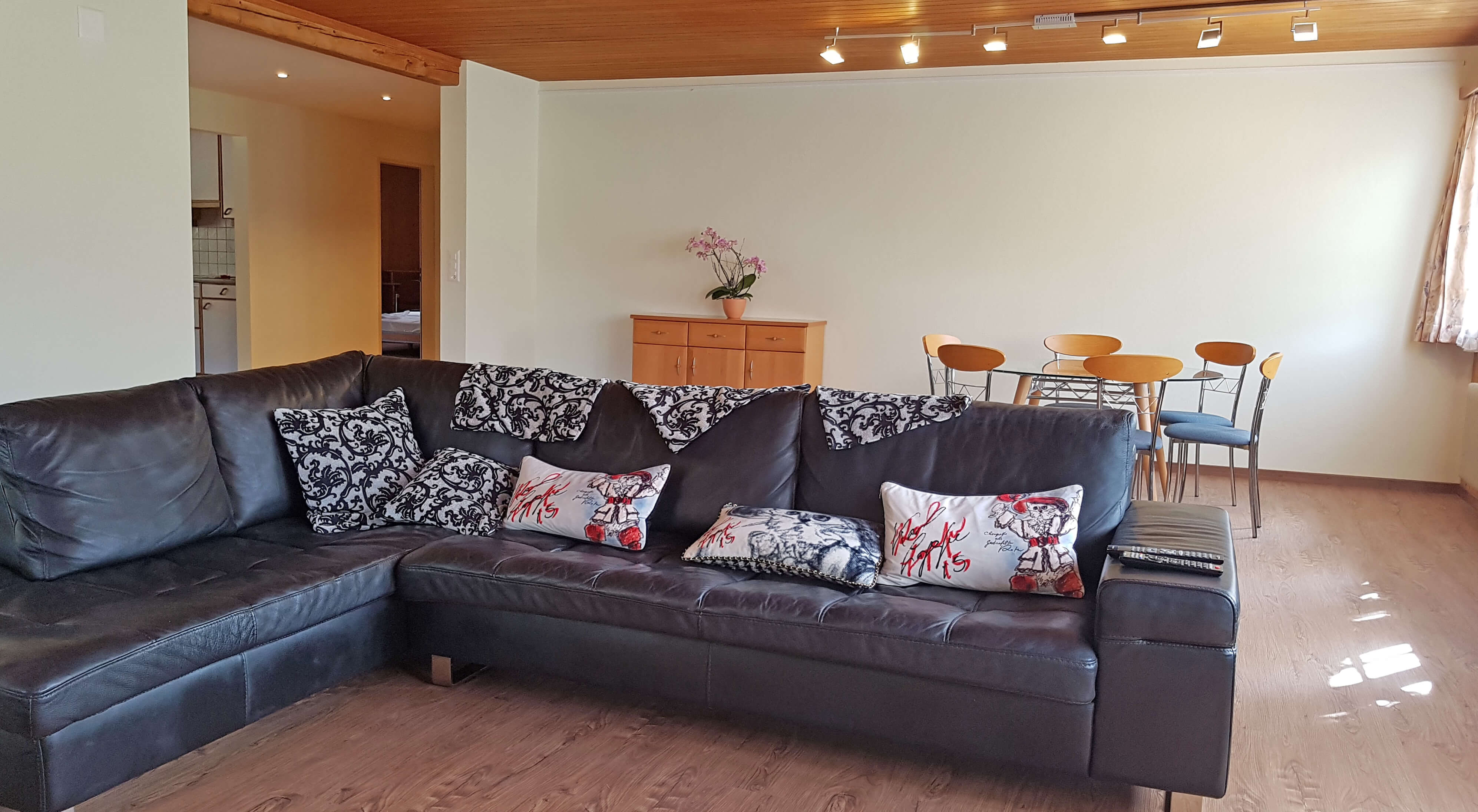 Wohnzimmer Sofa Esstisch
