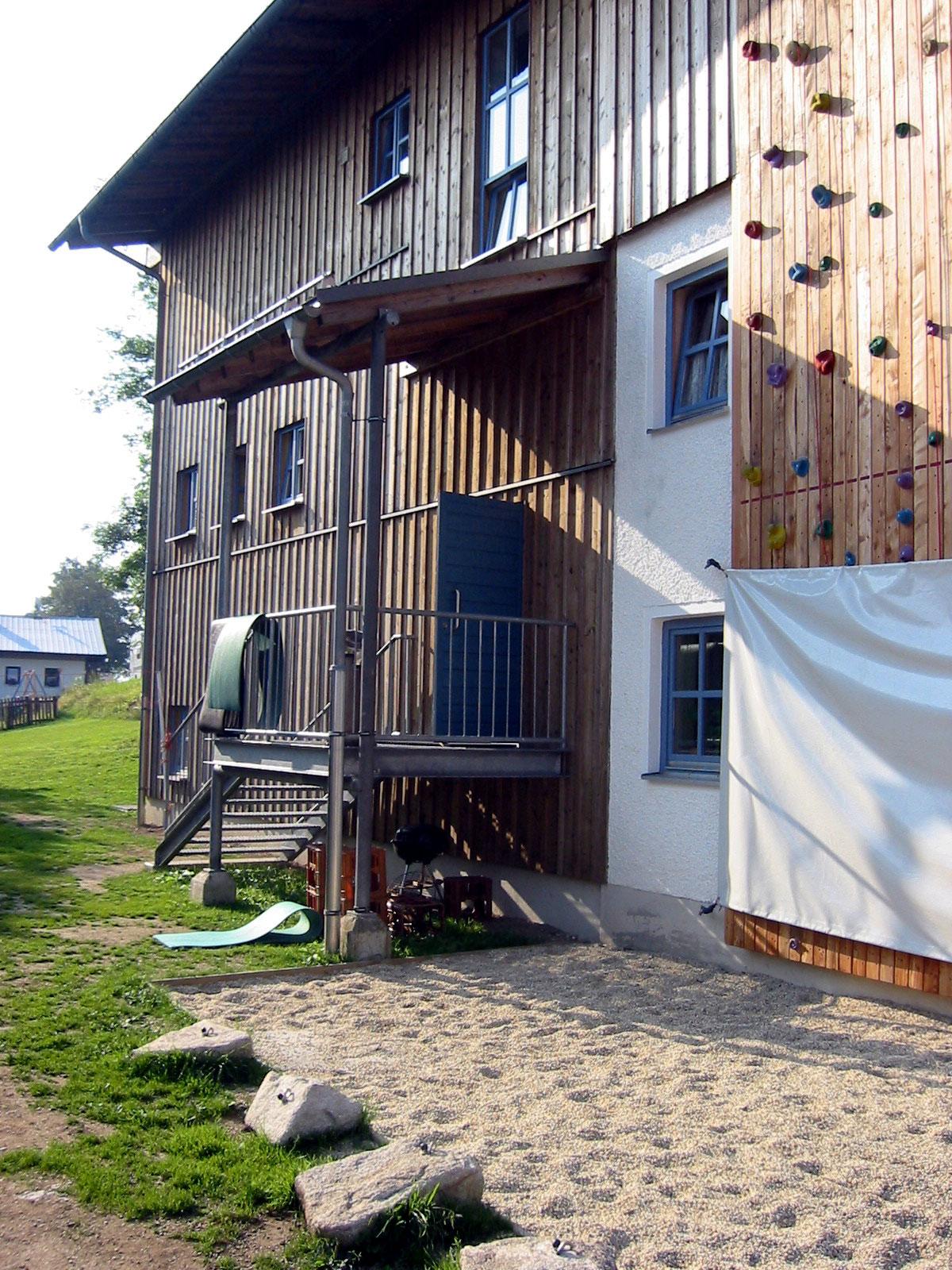 wolfssteinerhu-tte-kletterwand