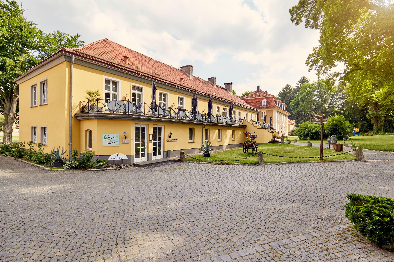 Parkhotel Schloss Meisdorf - Außenansicht