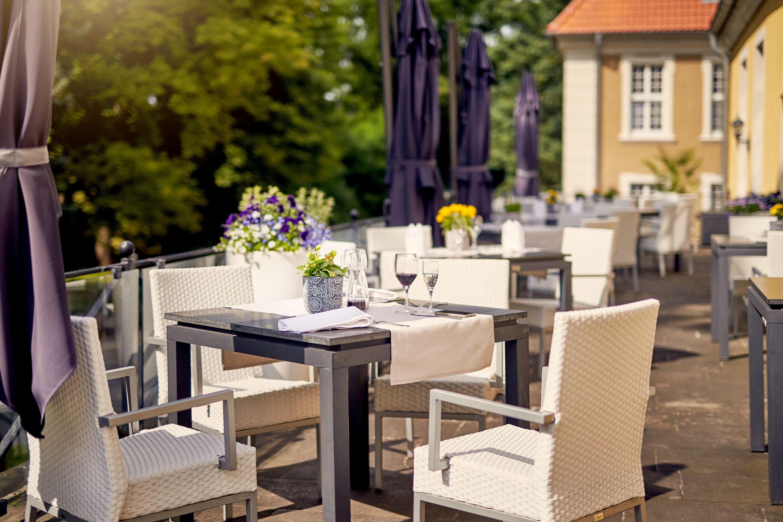 Parkhotel Schloss Meisdorf - Terrasse