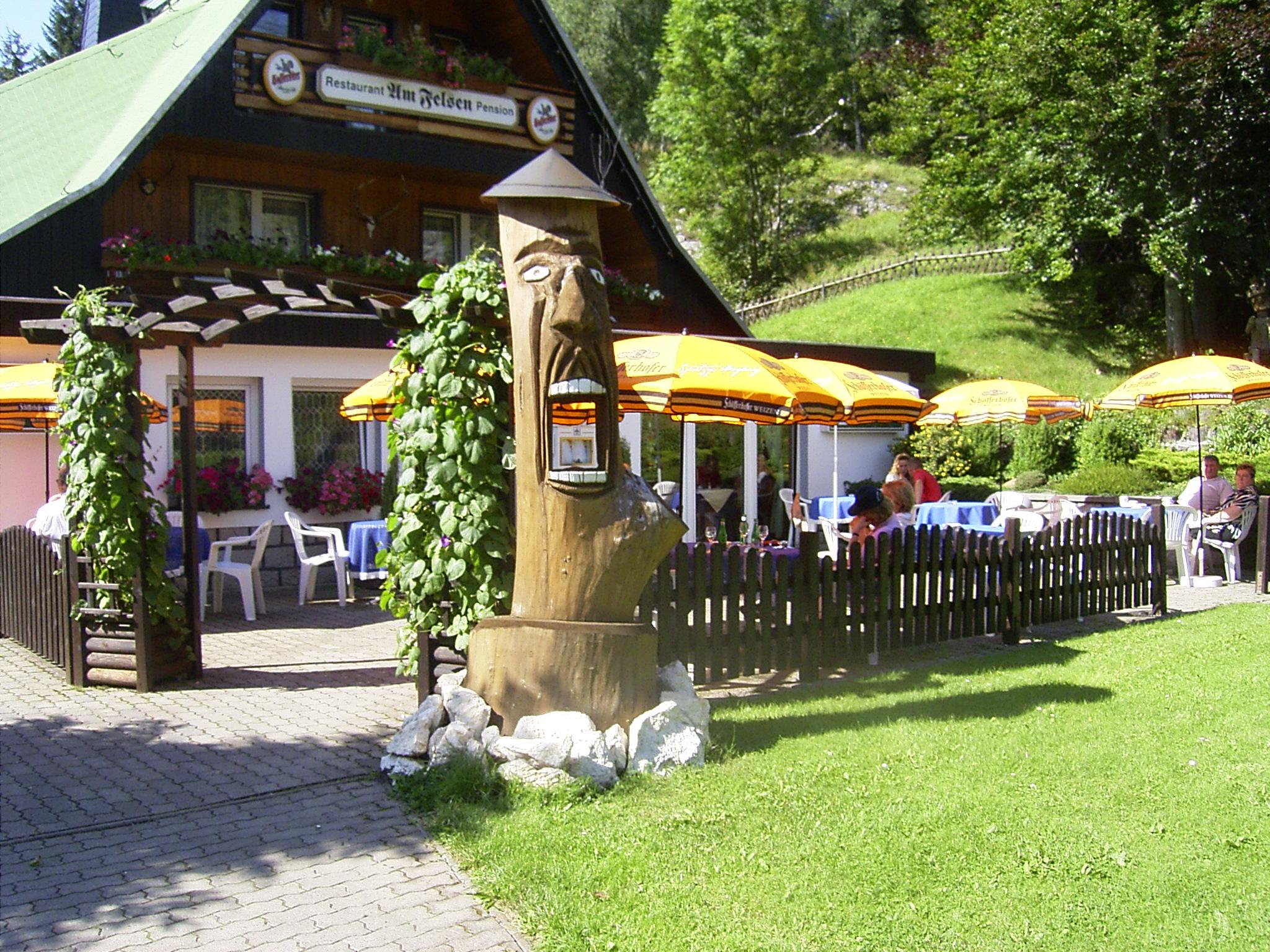 Hotel-Restaurant am Felsen in Königshütte - Terrasse