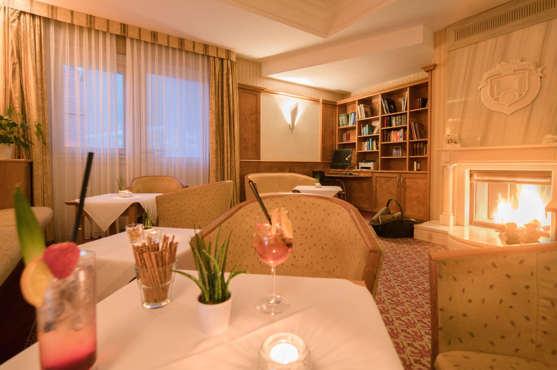 BEST WESTERN Hotel Schlossmühle in Quedlinburg - Kaminzimmer-Lounge