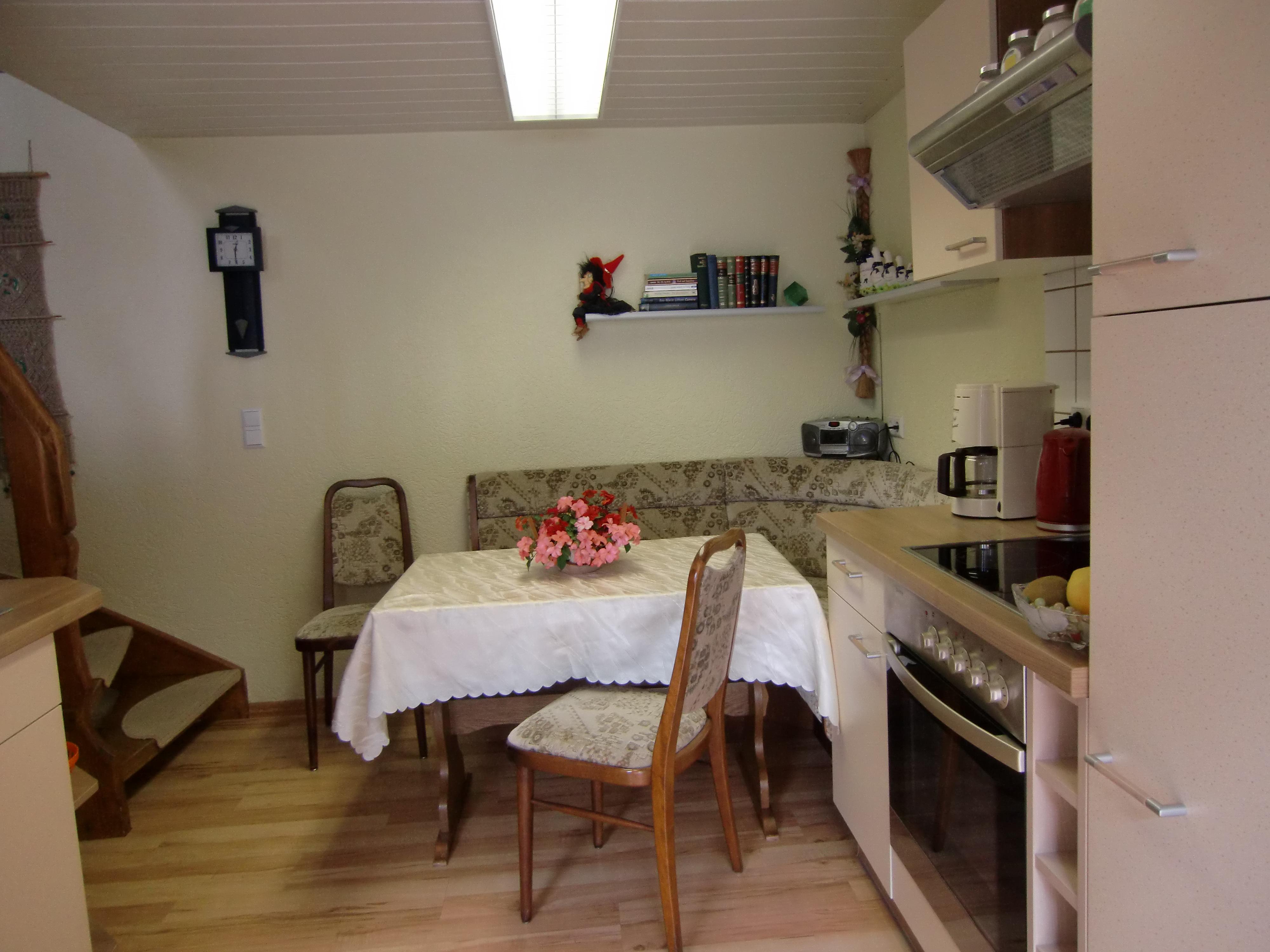 Haus am Wald in Stolberg - Küche-Essbereich