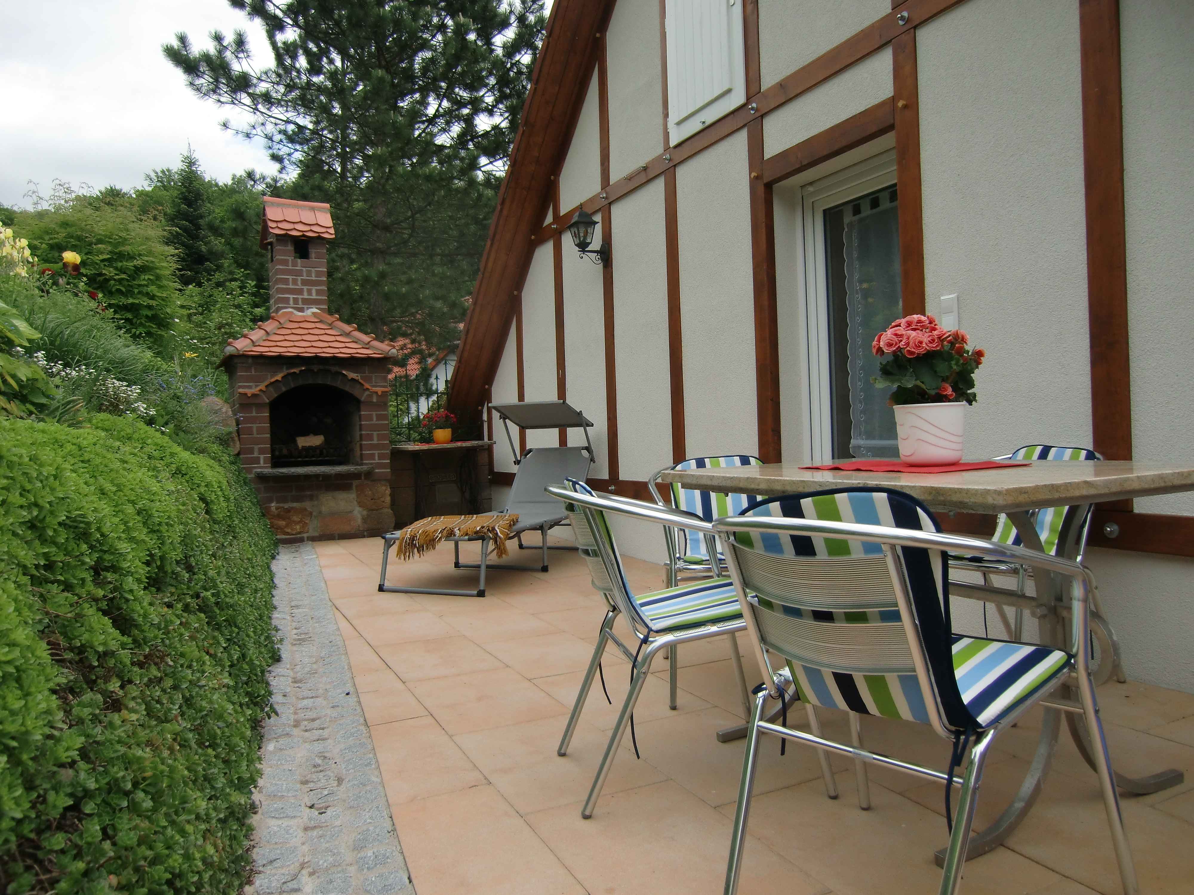Haus am Wald in Stolberg - Terrasse mit Grill
