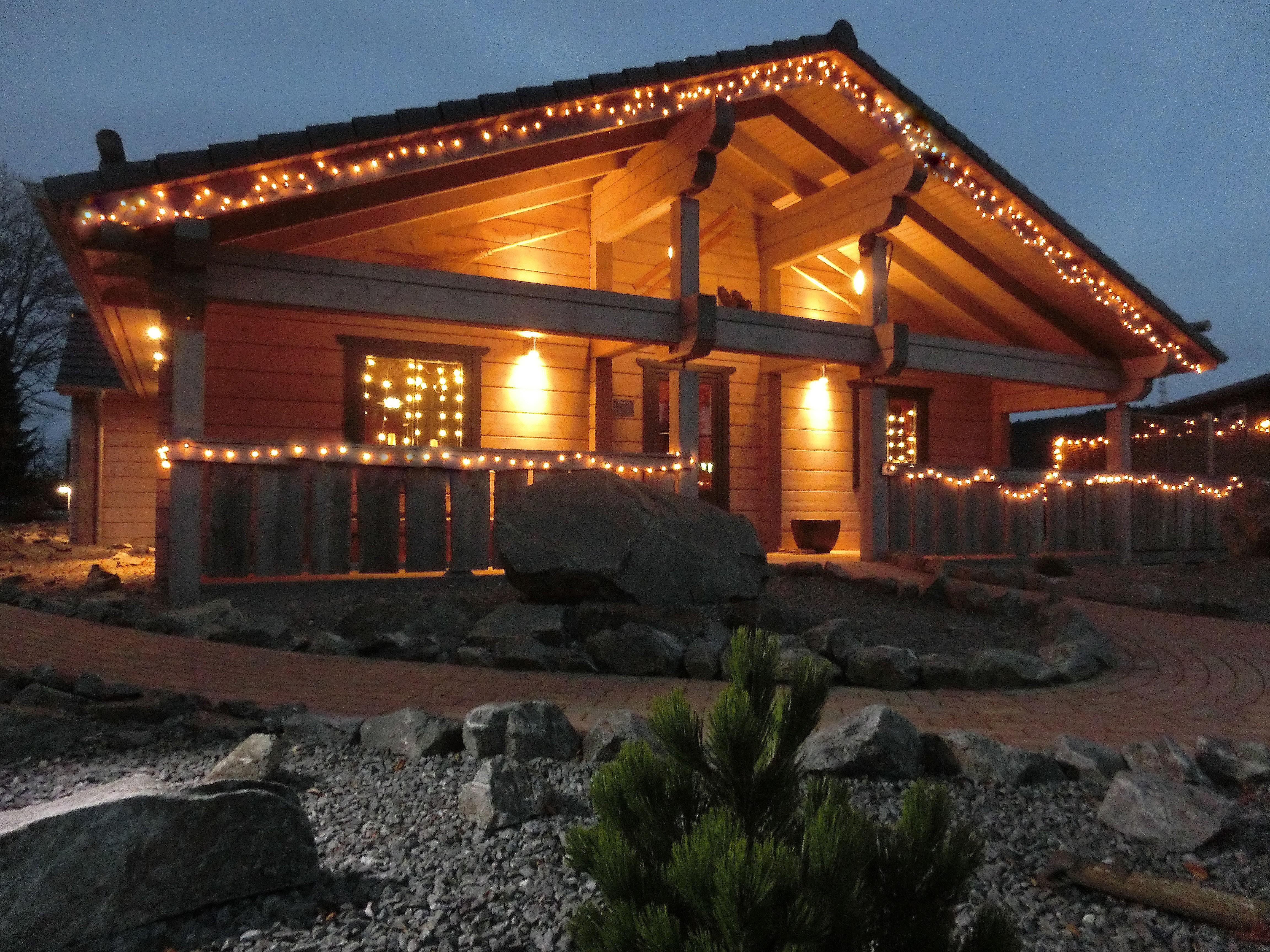 5 Sterne Blockhäuser in Hahnenklee - Außenansicht bei Nacht