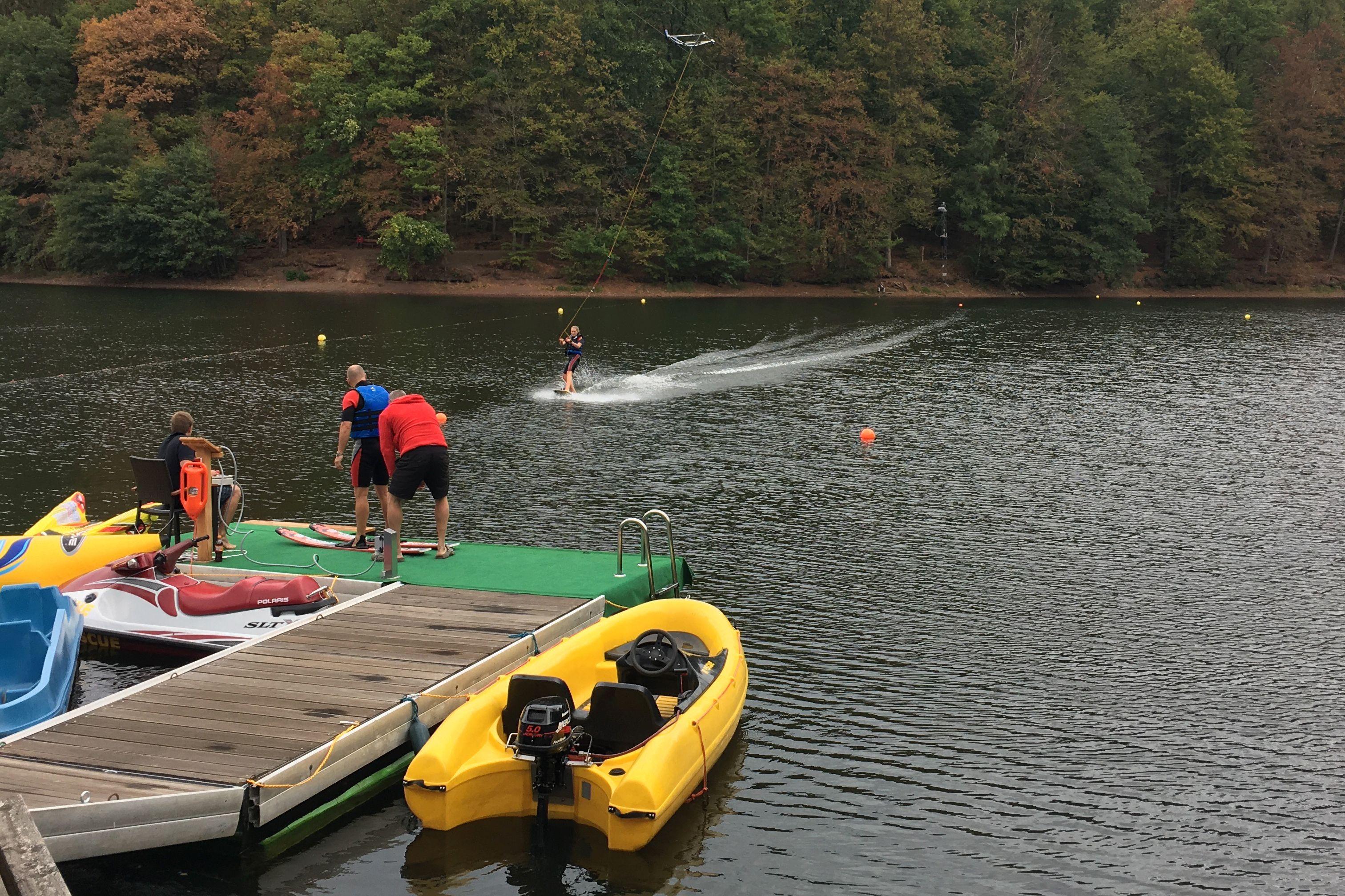 Campingpark Wiesenbeker Teich - Wasserski