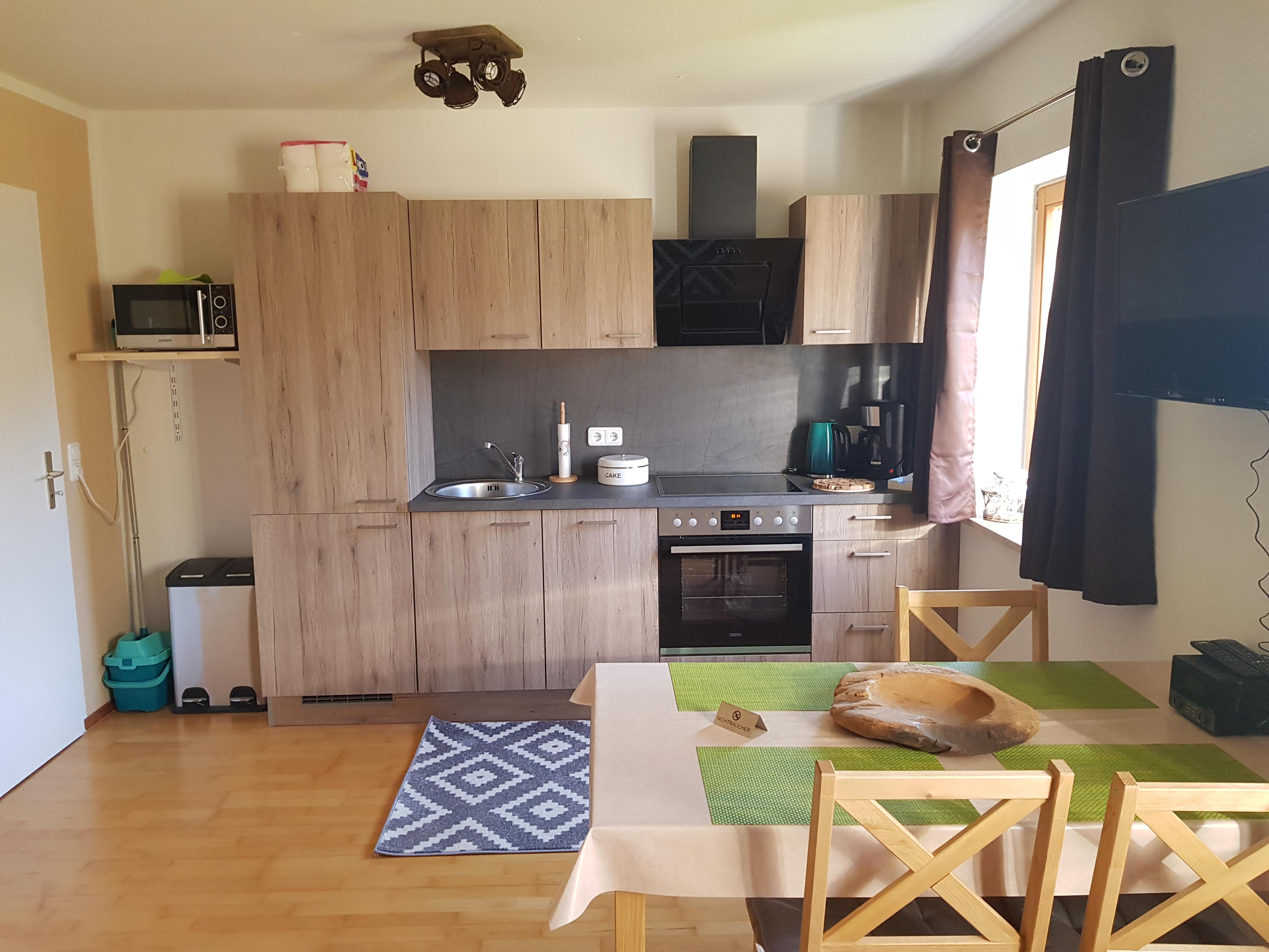 Ferienappartement am Nadenberg, Küche mit Essplatz