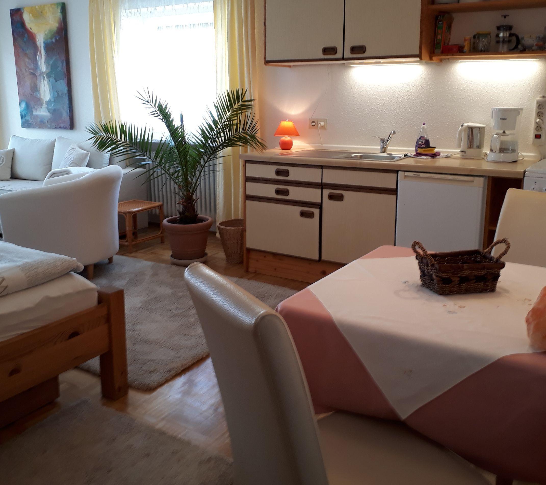 Appartement 3, Küche