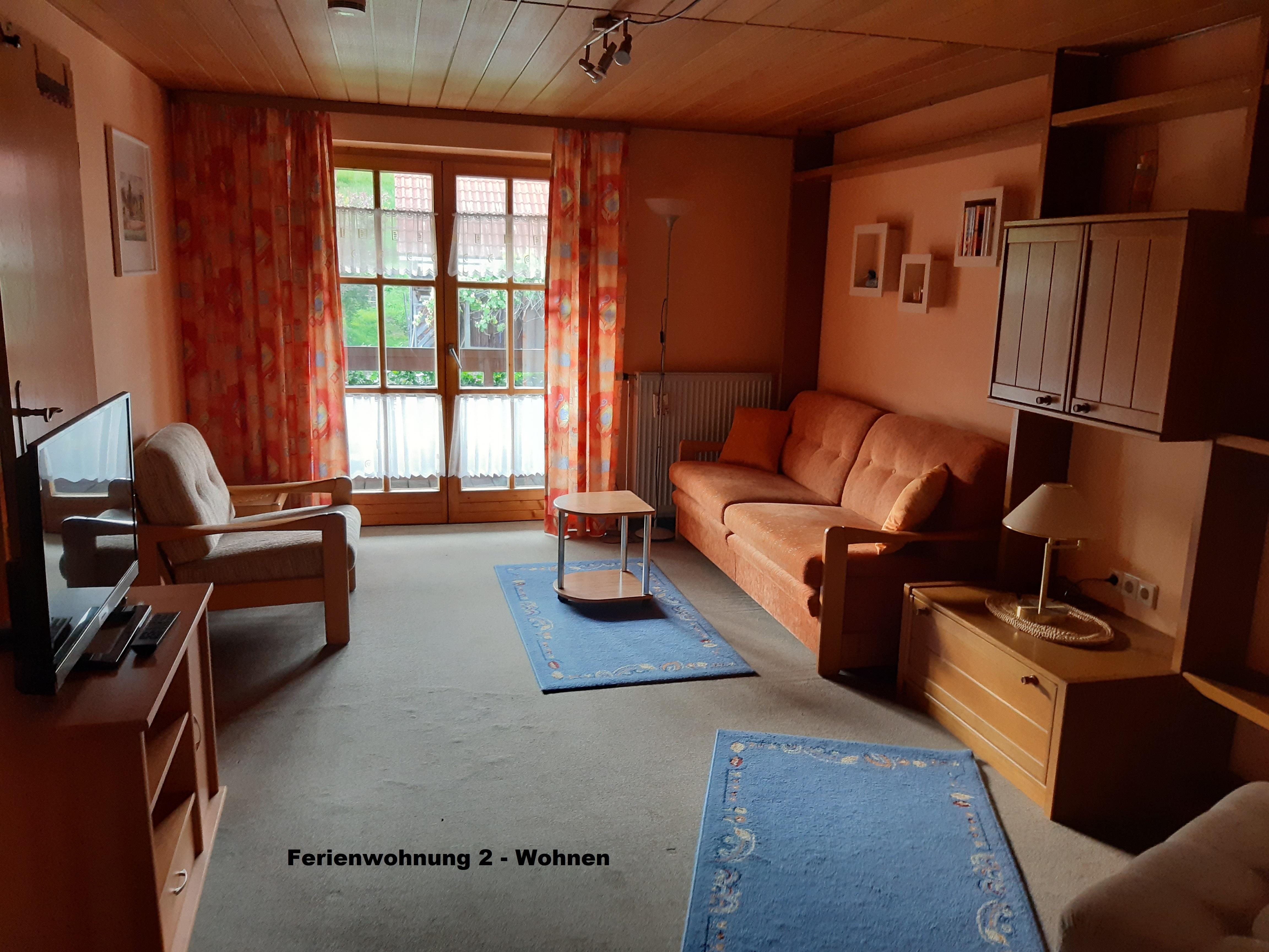 Gästehaus Fink, Ferienwohnung 2, Wohnzimmer