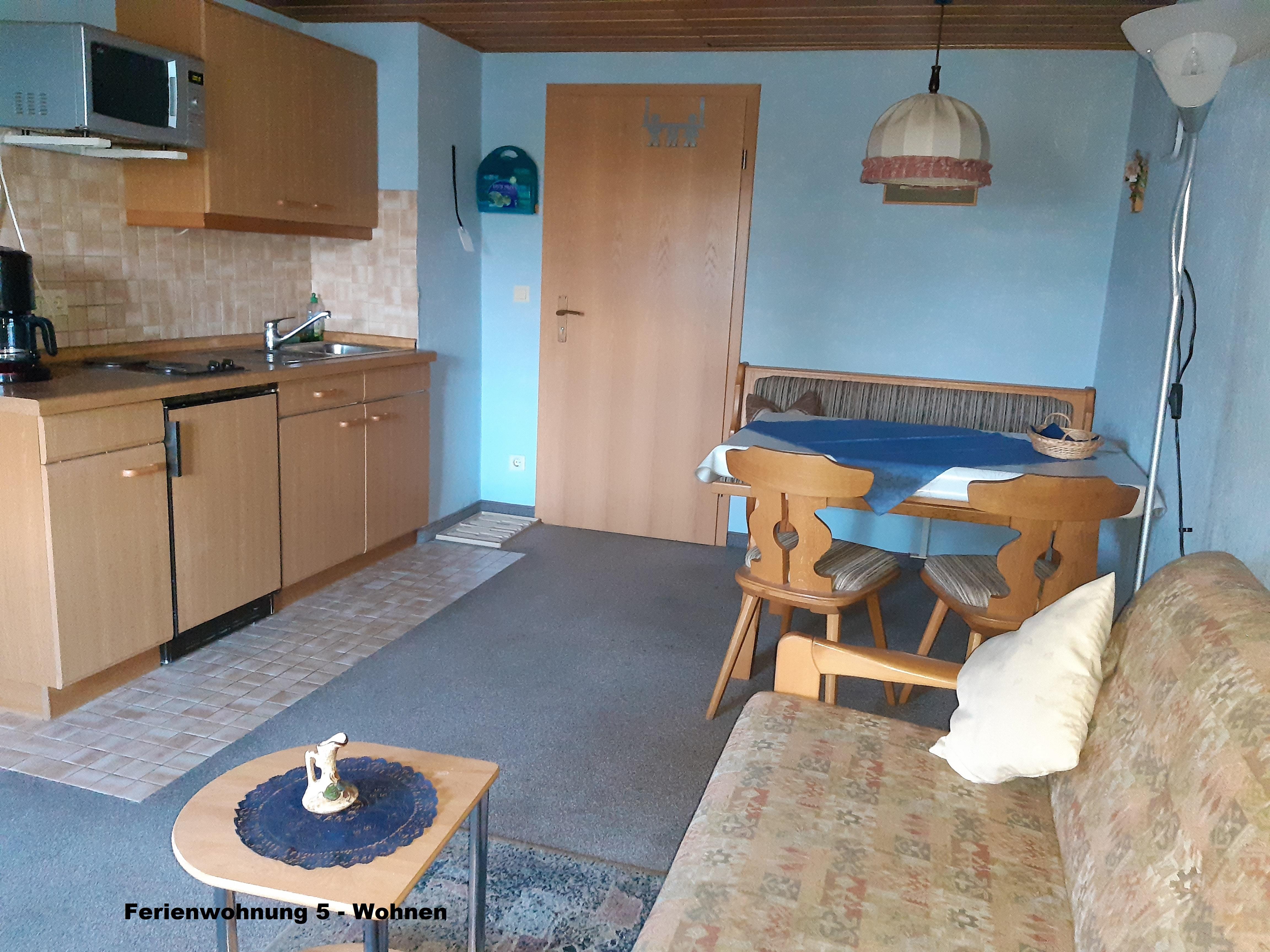 Gästehaus Fink, Ferienwohnung 5, Wohnküche