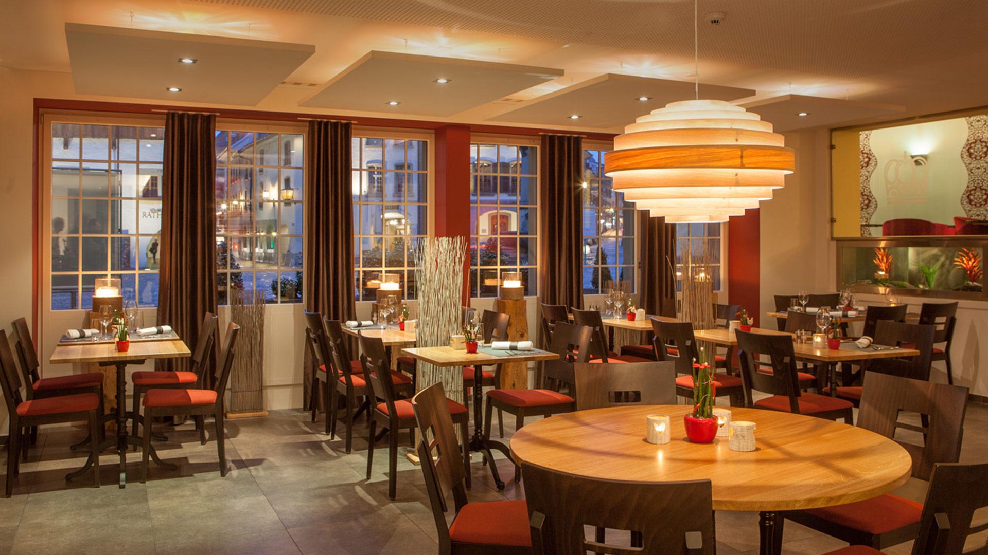 krone-thun-grill-restaurant-tische-ambiente.jpg