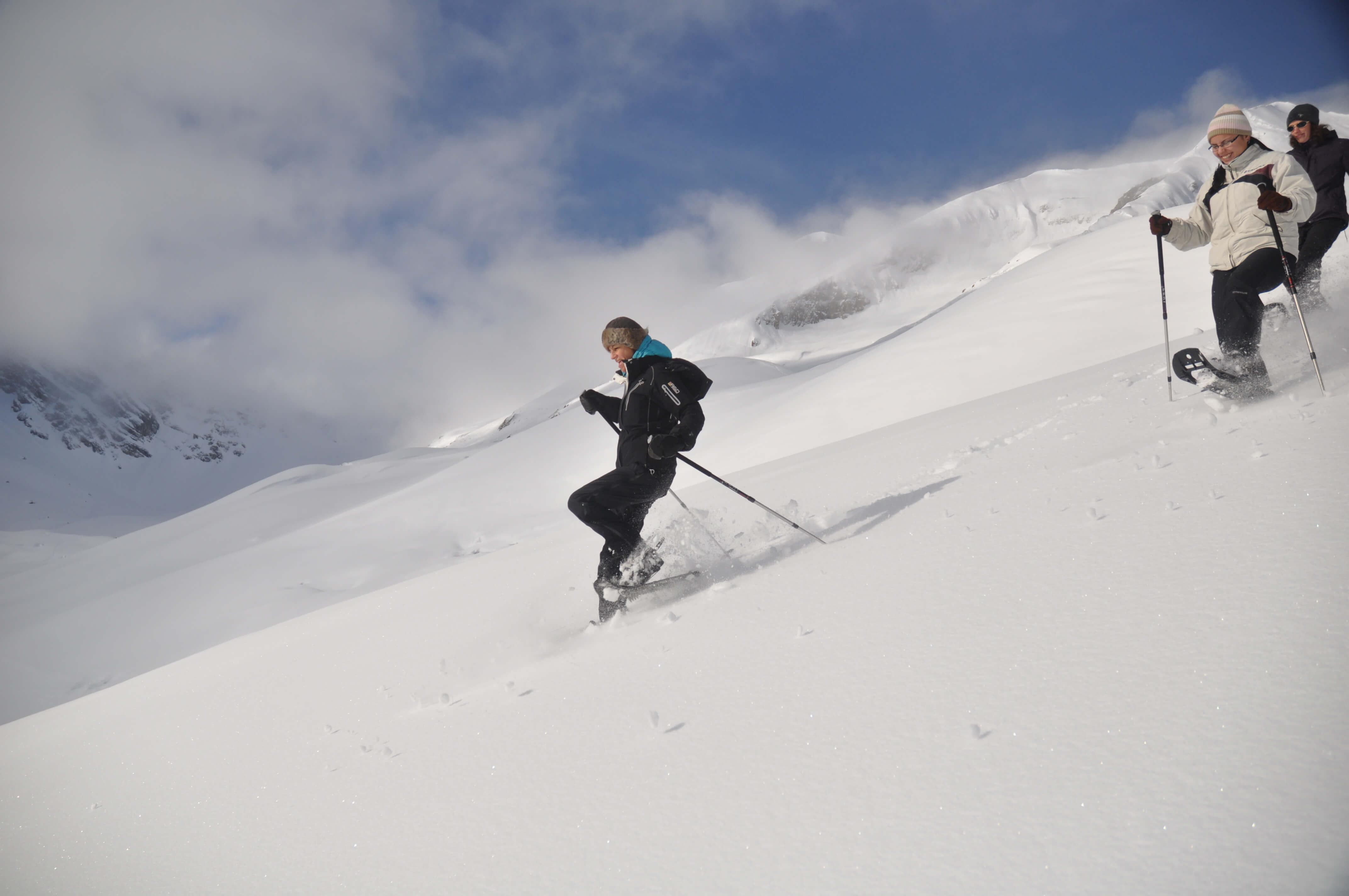 Schneeschuhwanderung im frischen Pulverschnee