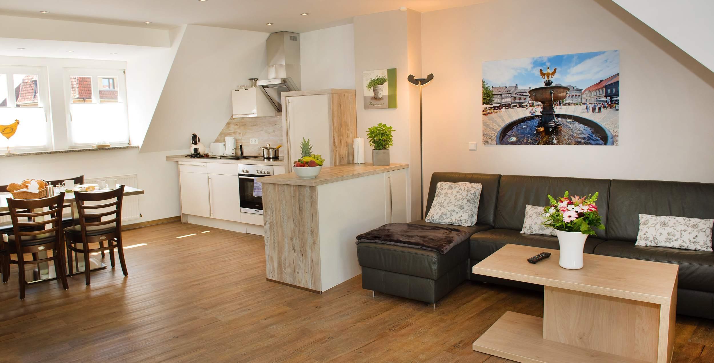 City Appartements am Wall Goslar - Wohnzimmer-Esszimmer-Küche Nordberg