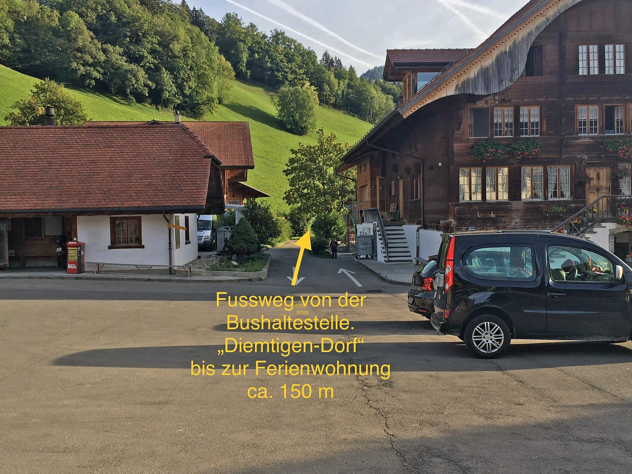 Fussweg neben Restaurant Hirschen