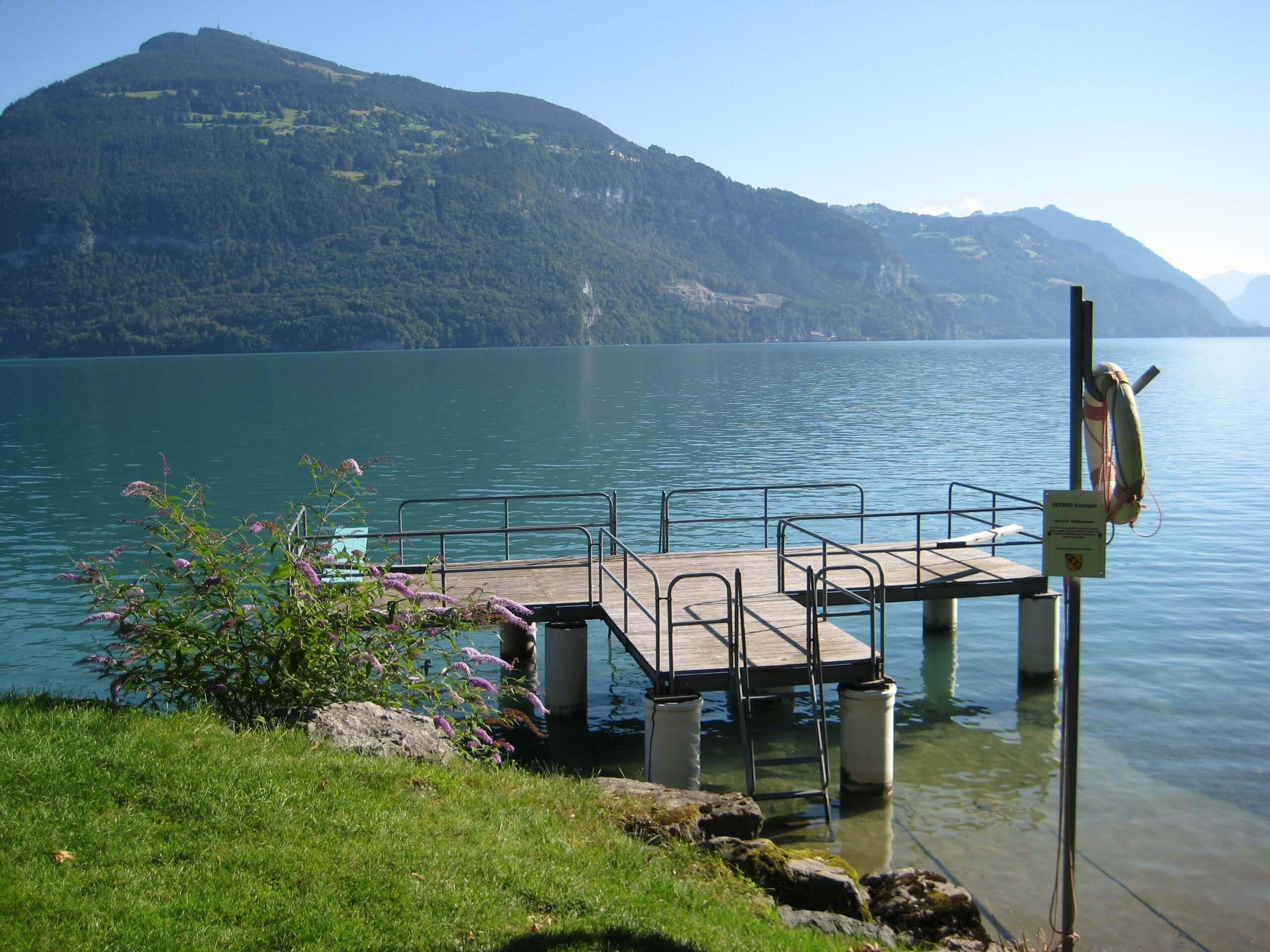 seebad-lido-thunersee-steg-sommer-baden
