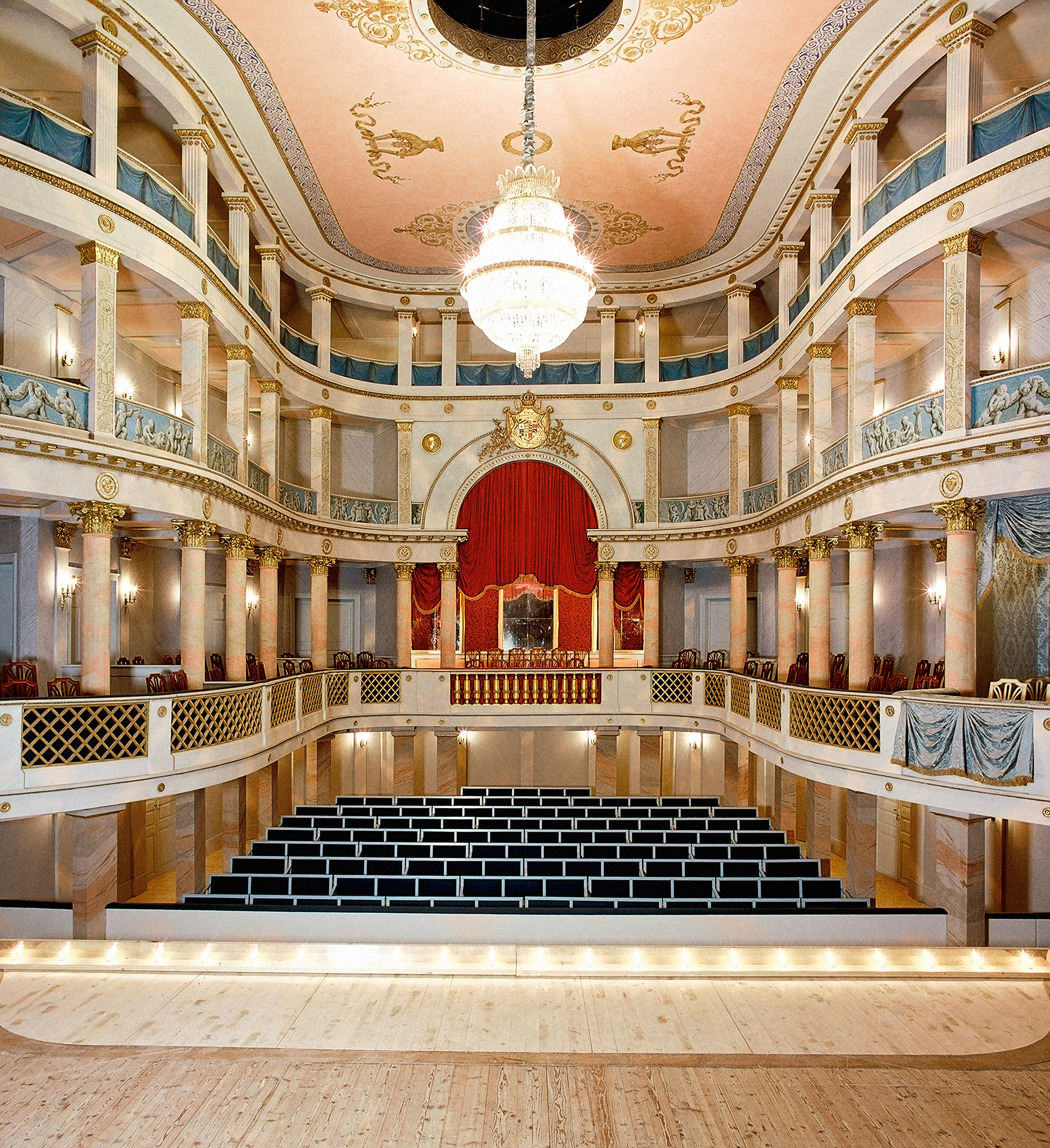 24_ludwigsburg_rsl_innen_lmz972185_1998_schlosstheater_foto-ssg-joachim-feist_2600_ssg-pressebild