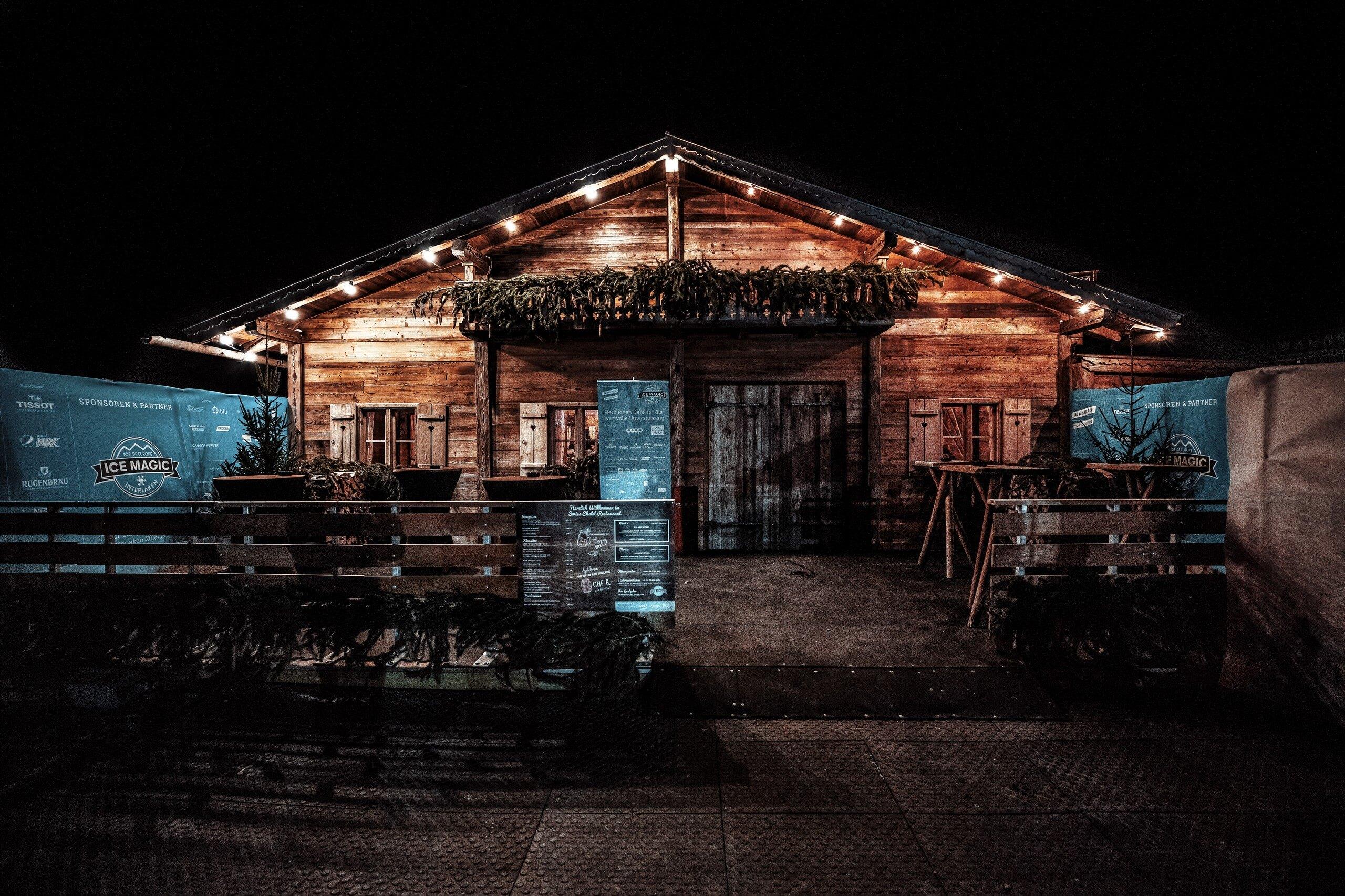 ice-magic-interlaken-swiss-chalet-restaurant-aussen.jpg