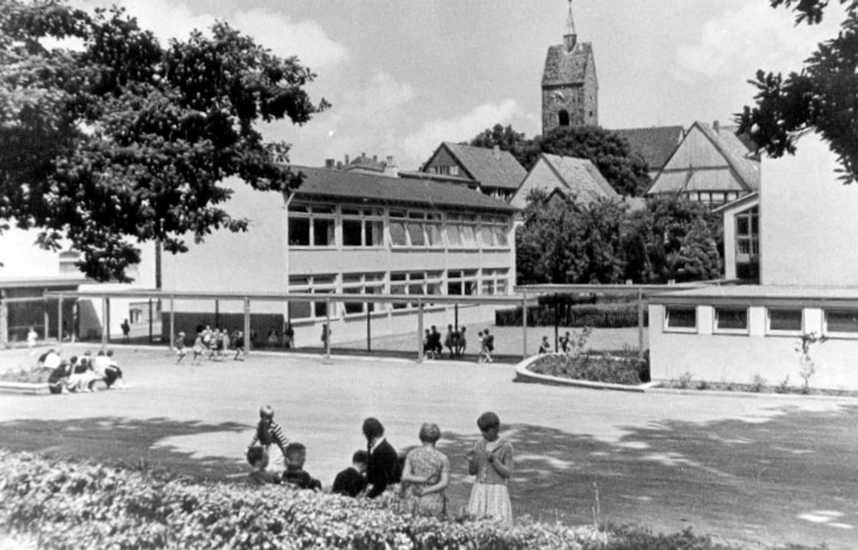Grundschule/ Volksschule Bösingfeld um 1970