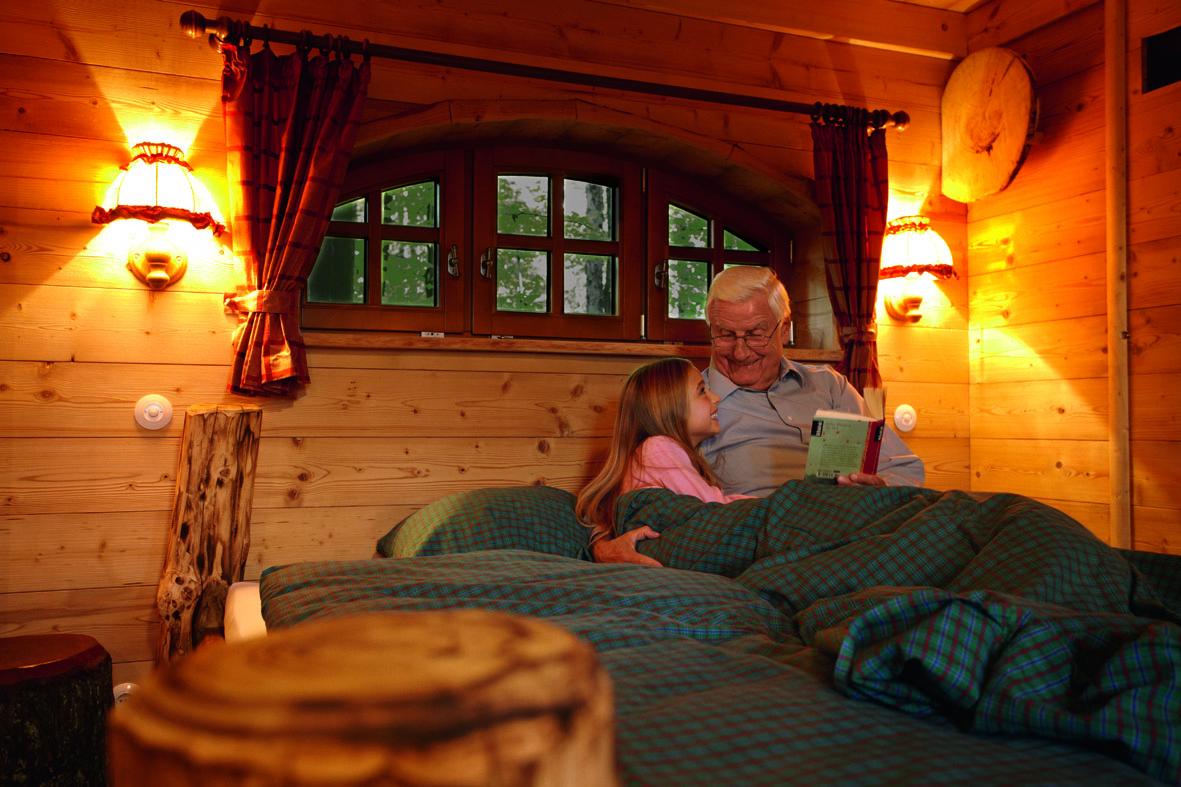Natur-Resort__Baumhaus_von_Innen_.jpg