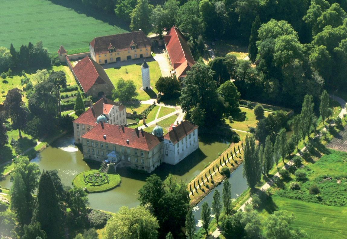 Schloss Hünnefeld Luftaufnahme