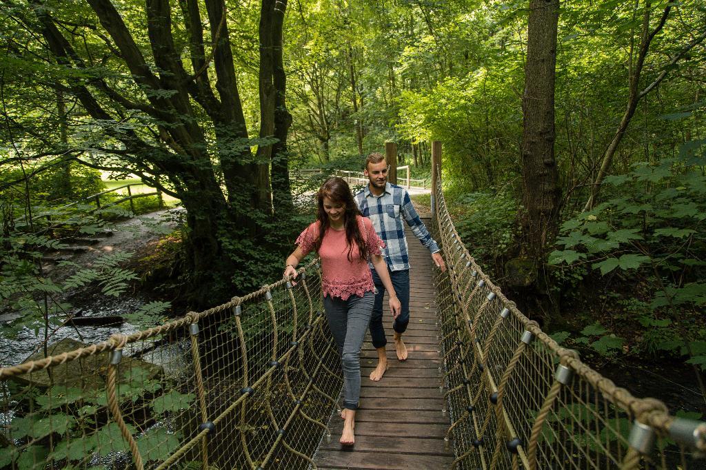 Hängebrücke über den Aabach