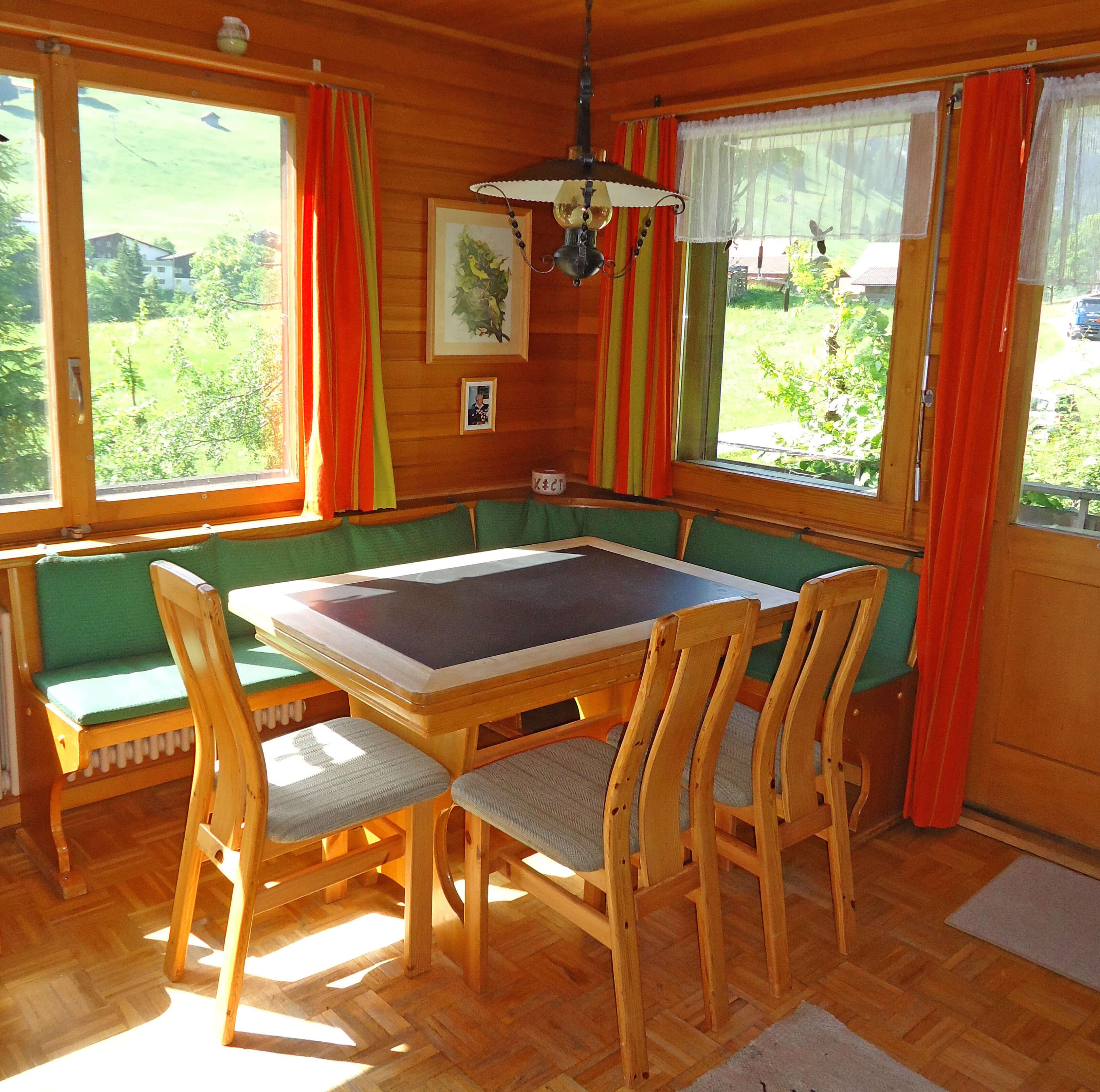Grimmihüsi Essecke Tisch