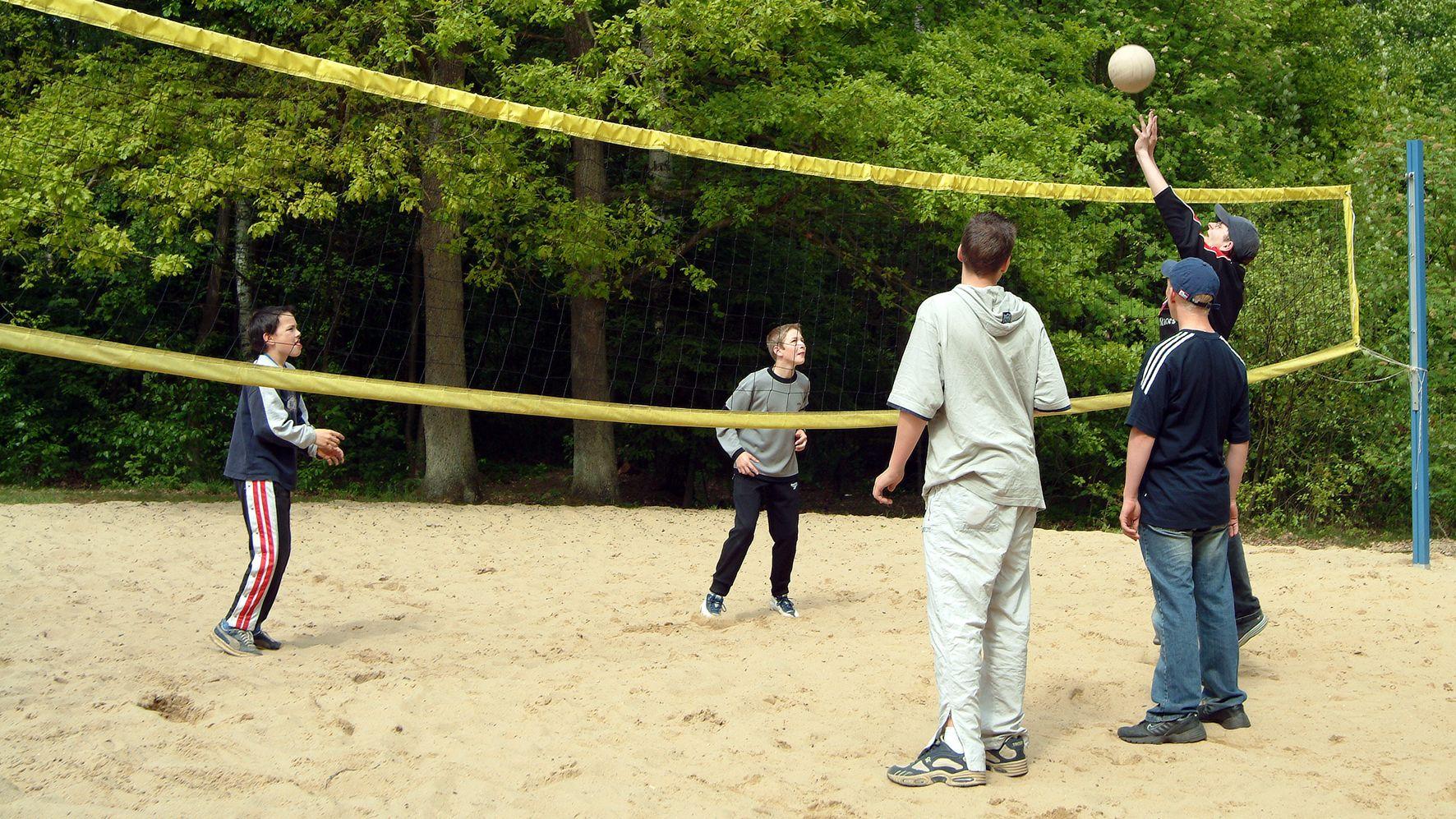 jugendherberge-mueden-fassberg-volleyballplatz-a