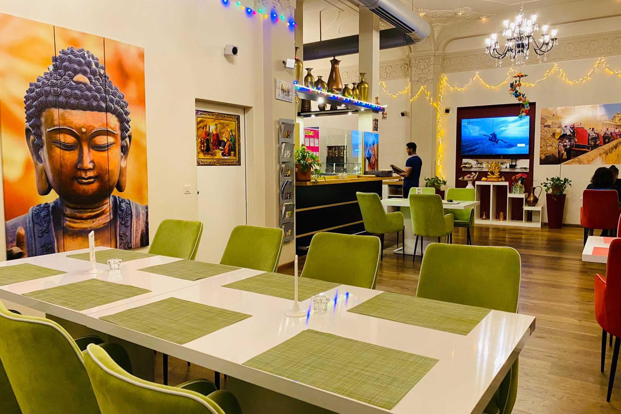 delh-darbar-indian-restaurant-speisesaal-2.jpg