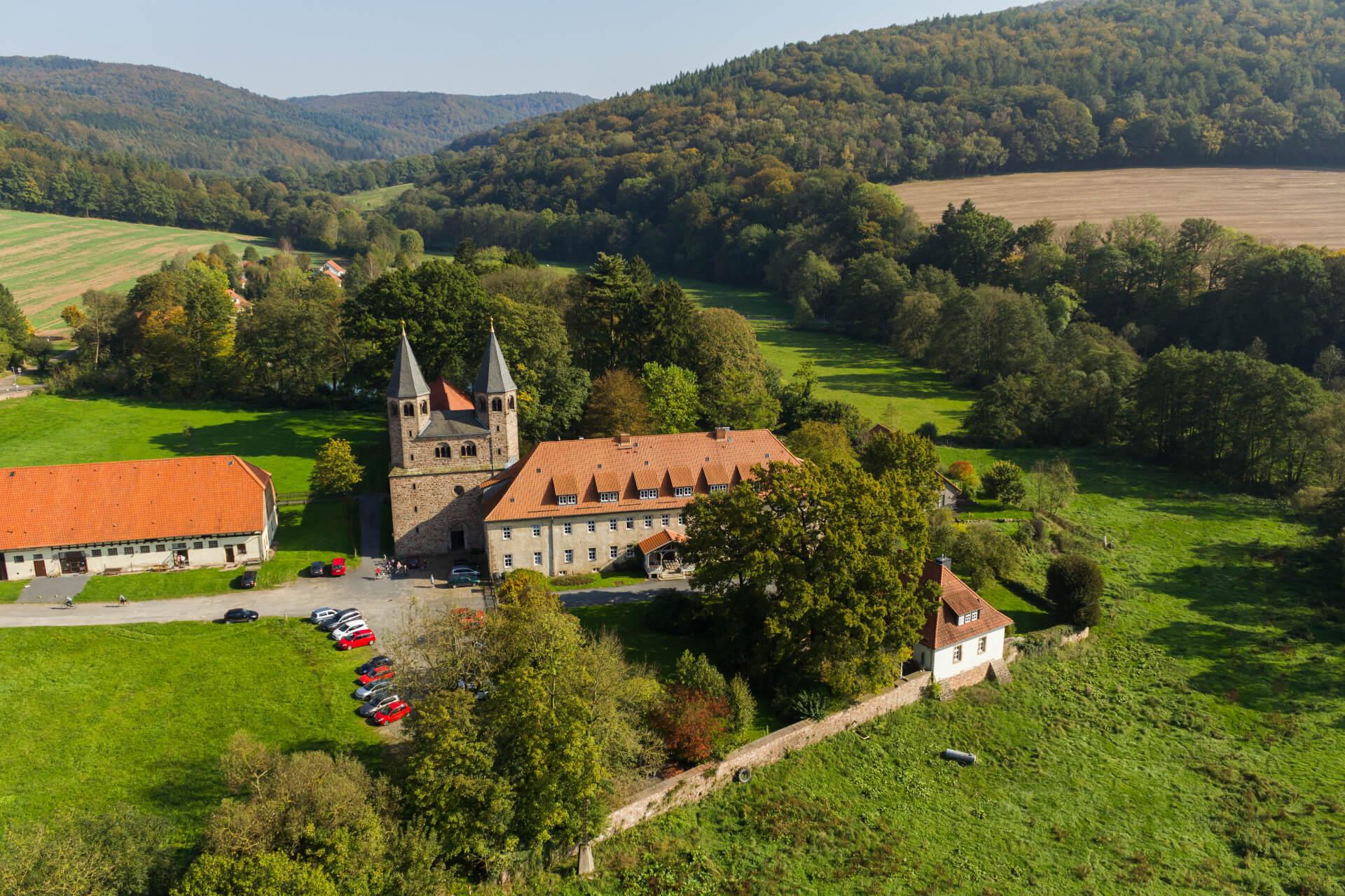 Kloster Bursfelde mit Tagungshaus, Luftbild