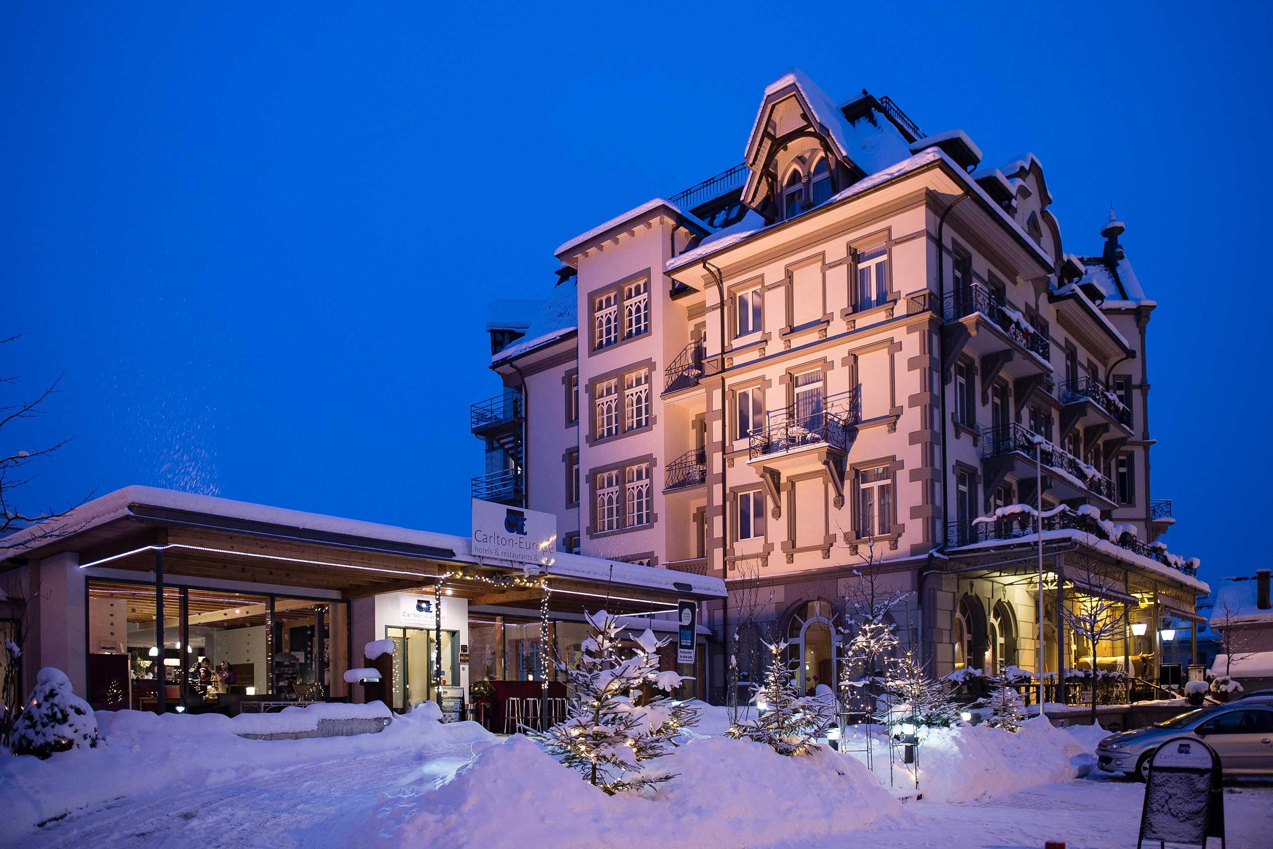 carlton-europe-front-winter-schnee-gebaeude.jpg