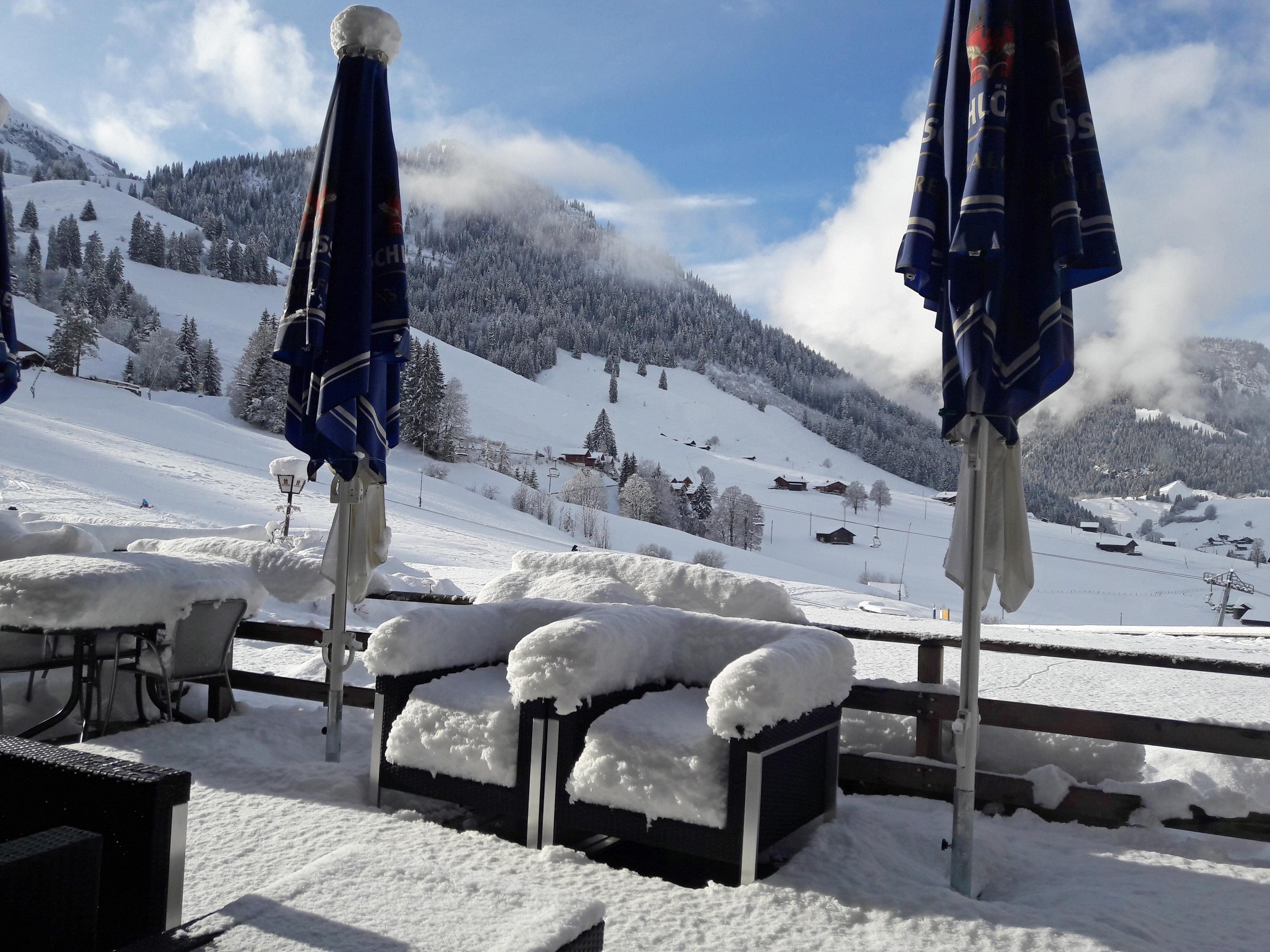 Terrasse mit Schnee