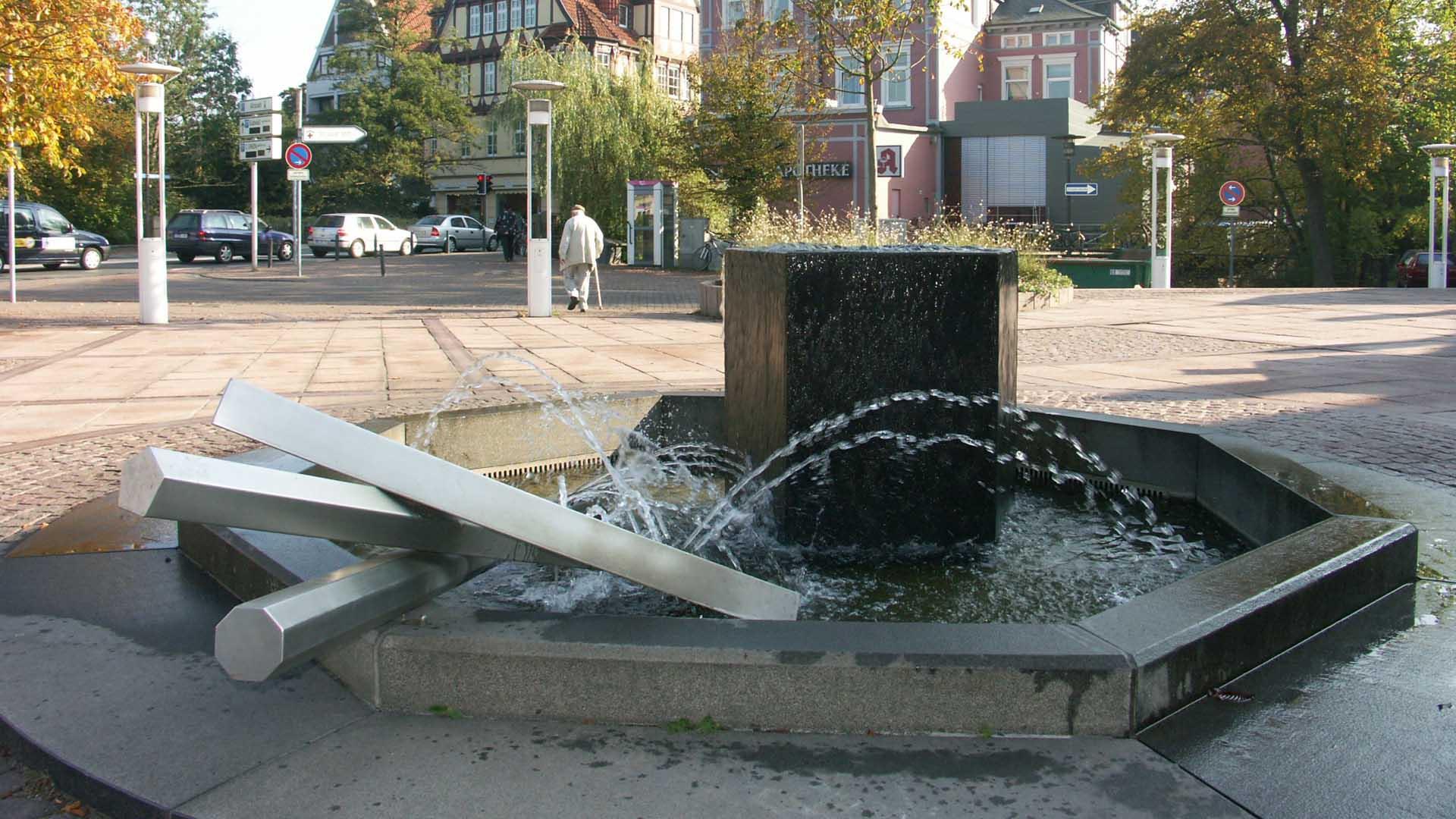 celle-skulptur-brunnen-thaerplatz-3