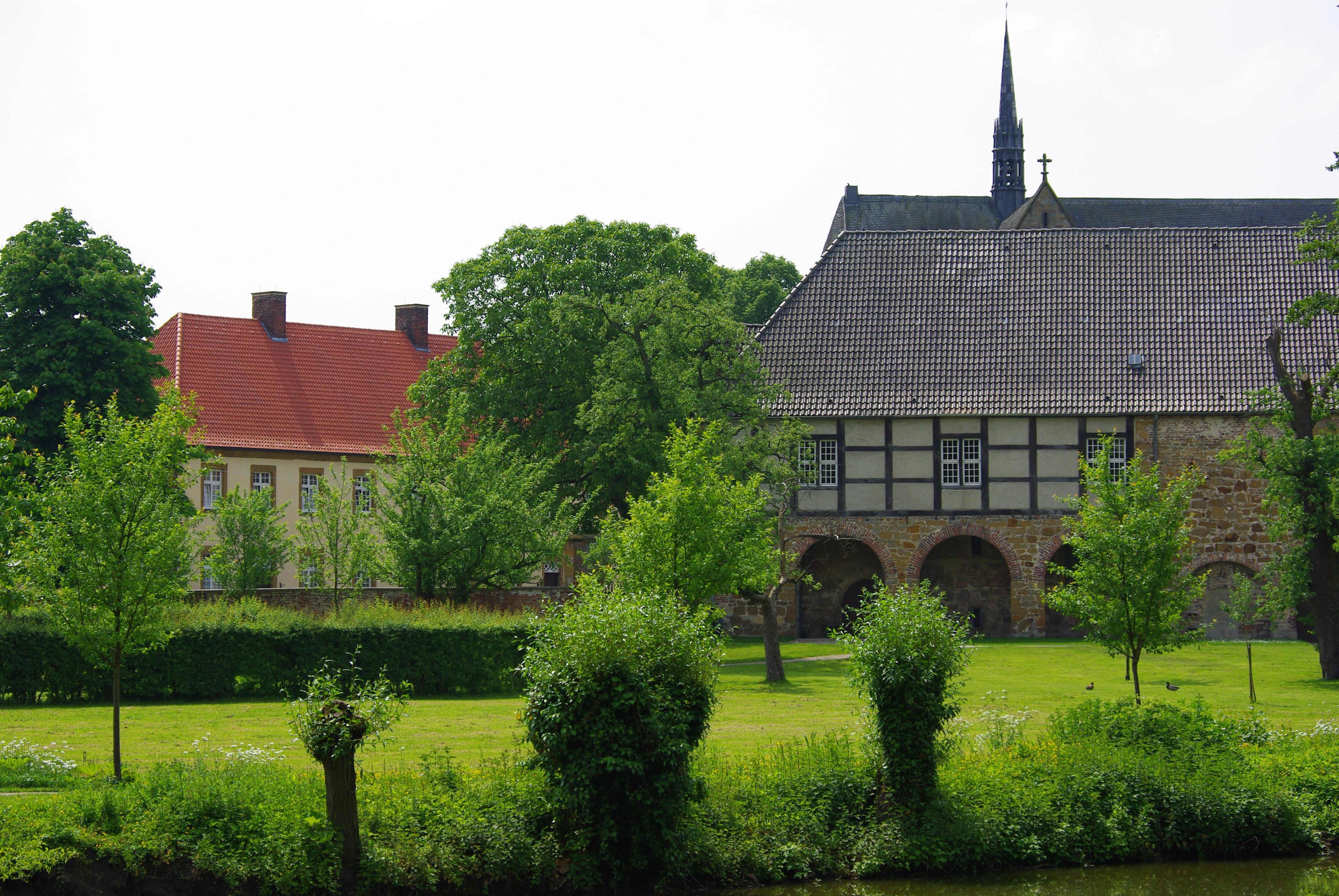 Kloster mit Kirchturm, Herzebrock