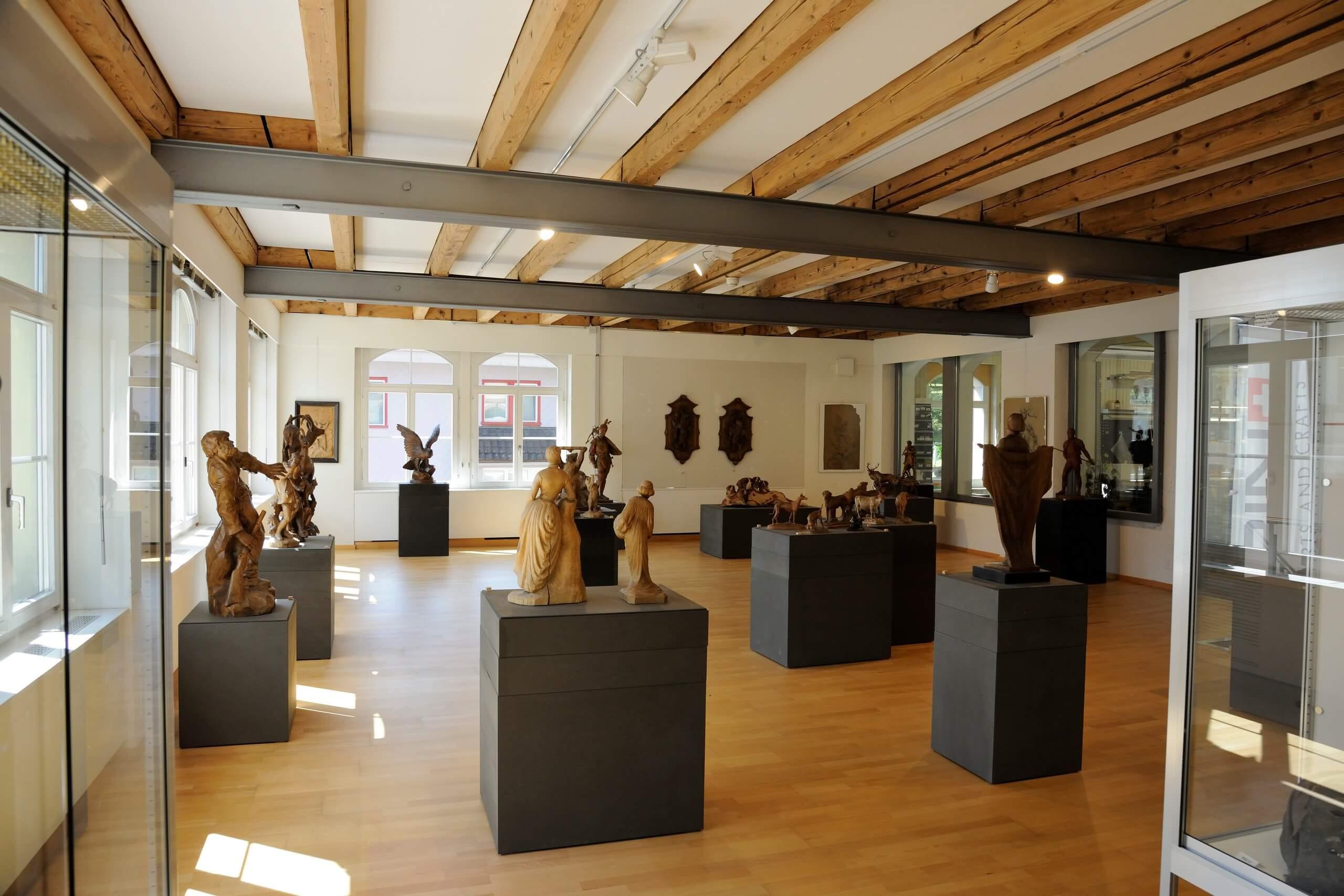 brienz-museum-holzbildhauerei-ausstellungsraum