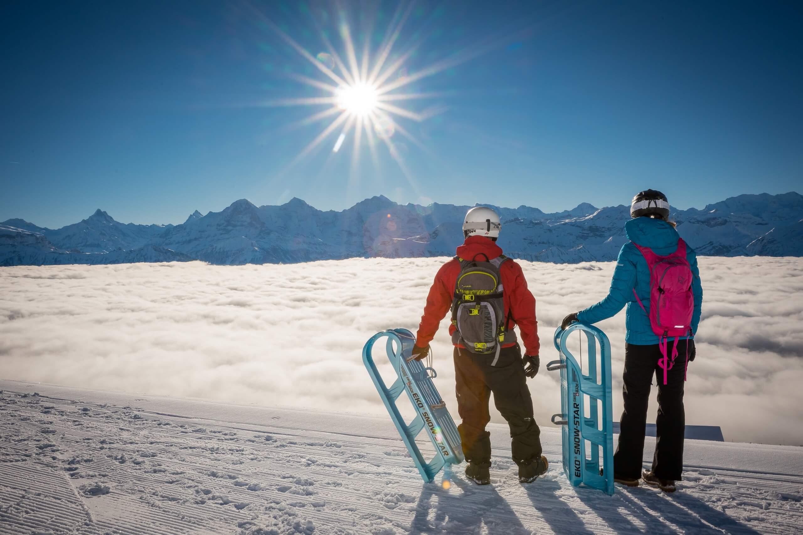 niederhorn-schlitteln-winter-nebelmeer-aussicht