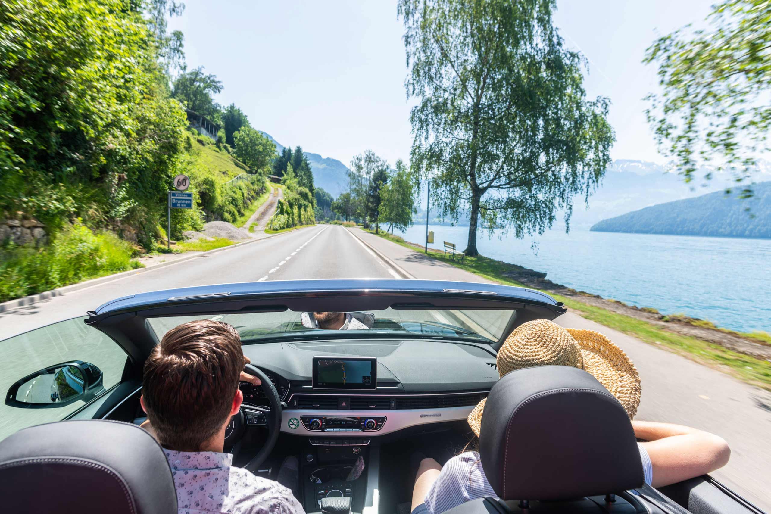 europcar-cabriolet-fahrt-am-see-entlang.jpg
