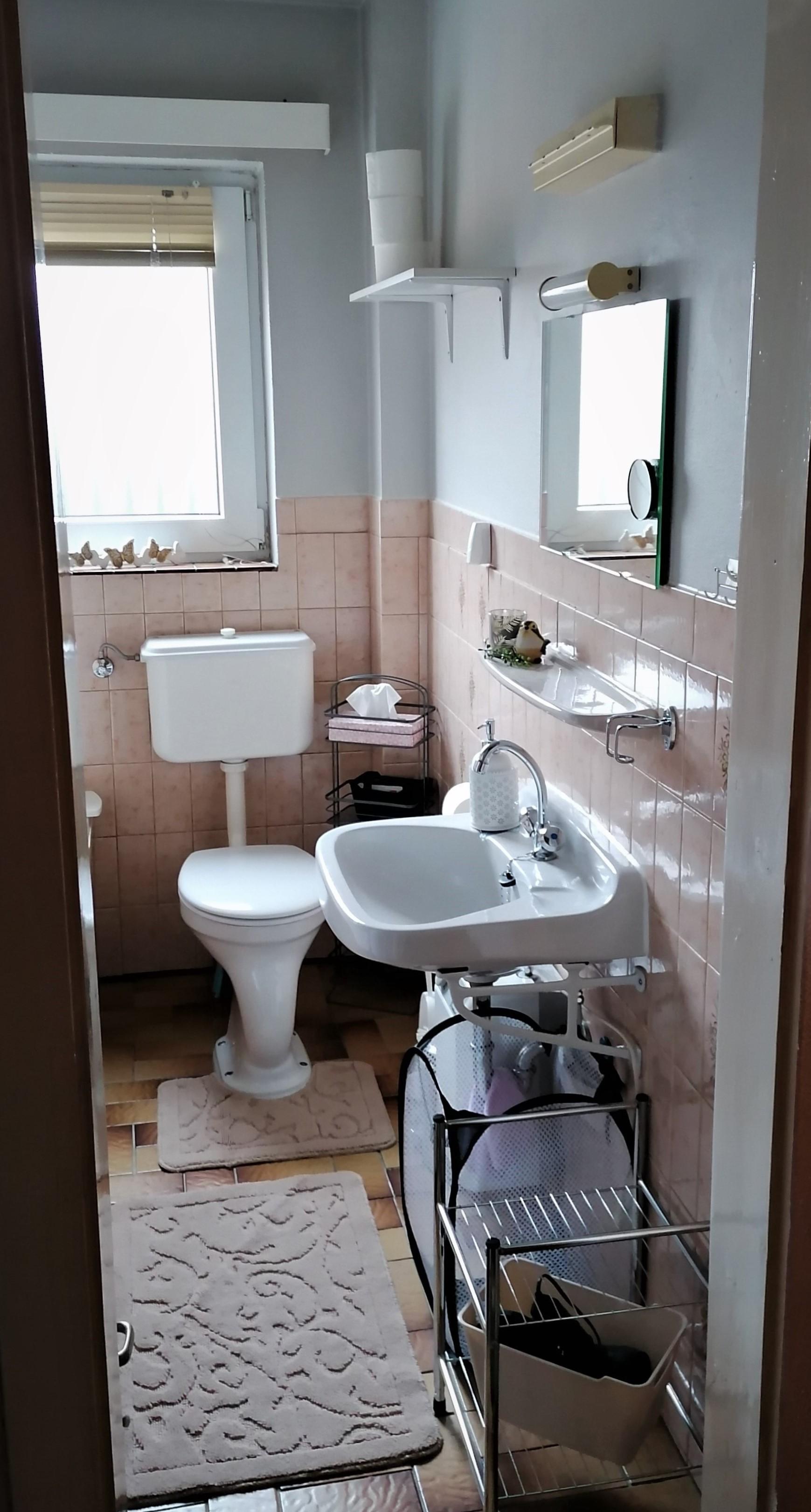 Badezimmer gehört zum Ferienzimmer .jpg