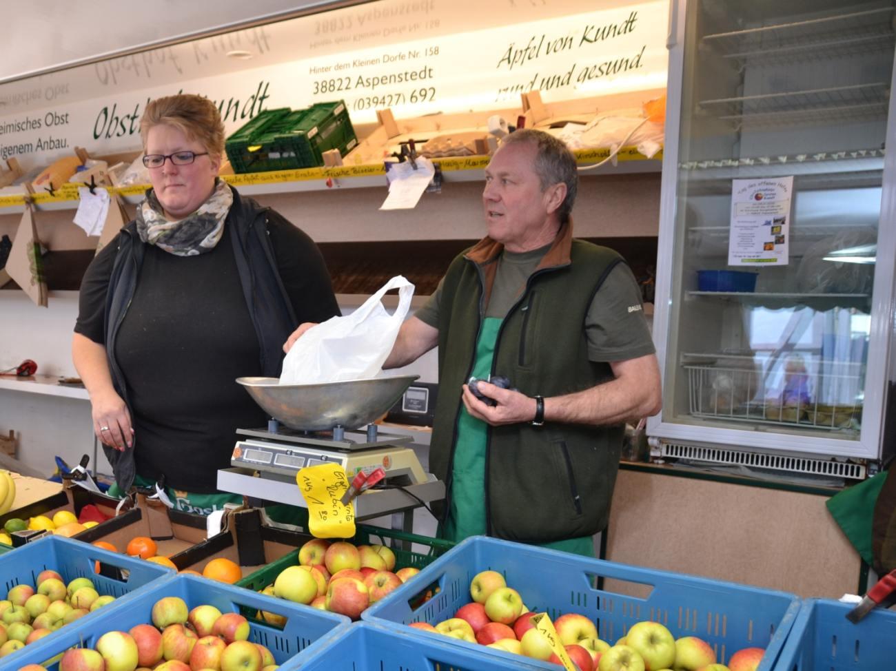 Obstplantage Carsten Kundt - Wochenmarkt
