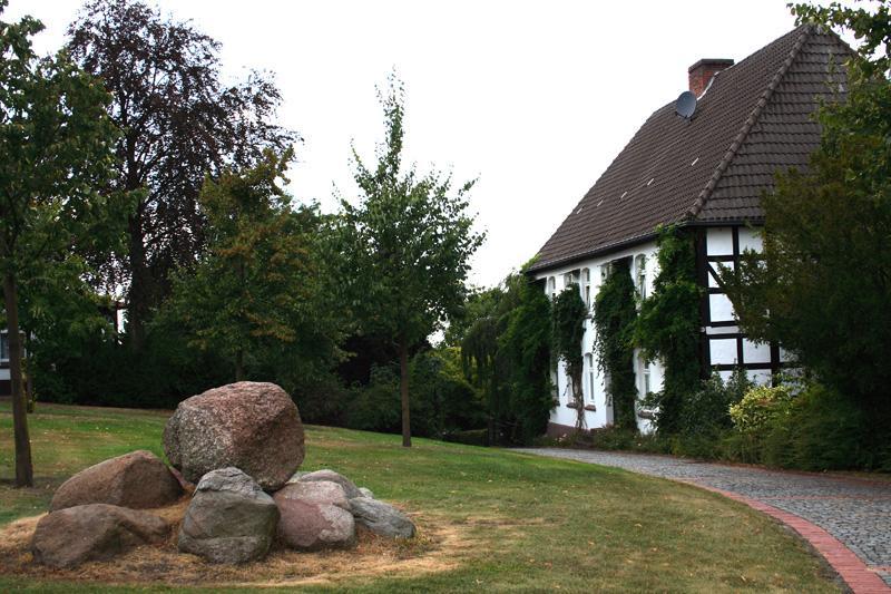Kirchplatz Historischer Wegweiser