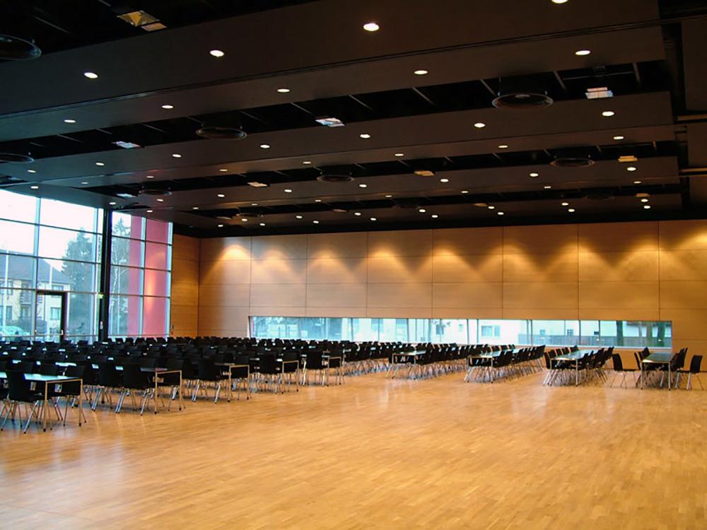 Stadthalle Gifhorn Großer Saal.jpg