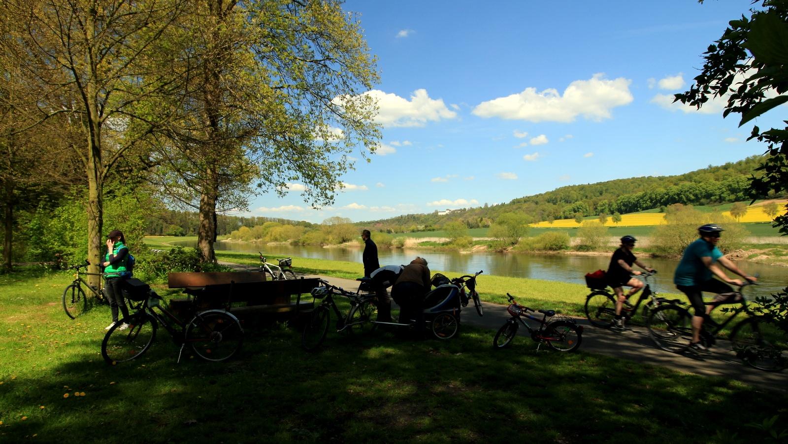 Wehrden Ruheplatz am Schlosspark und Weserradweg