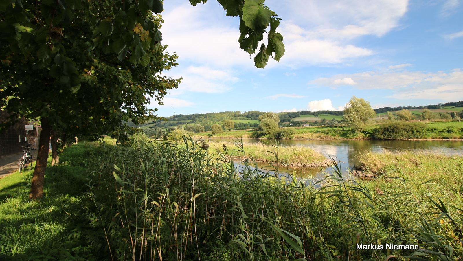 Blick über die Weser bei Blankenau