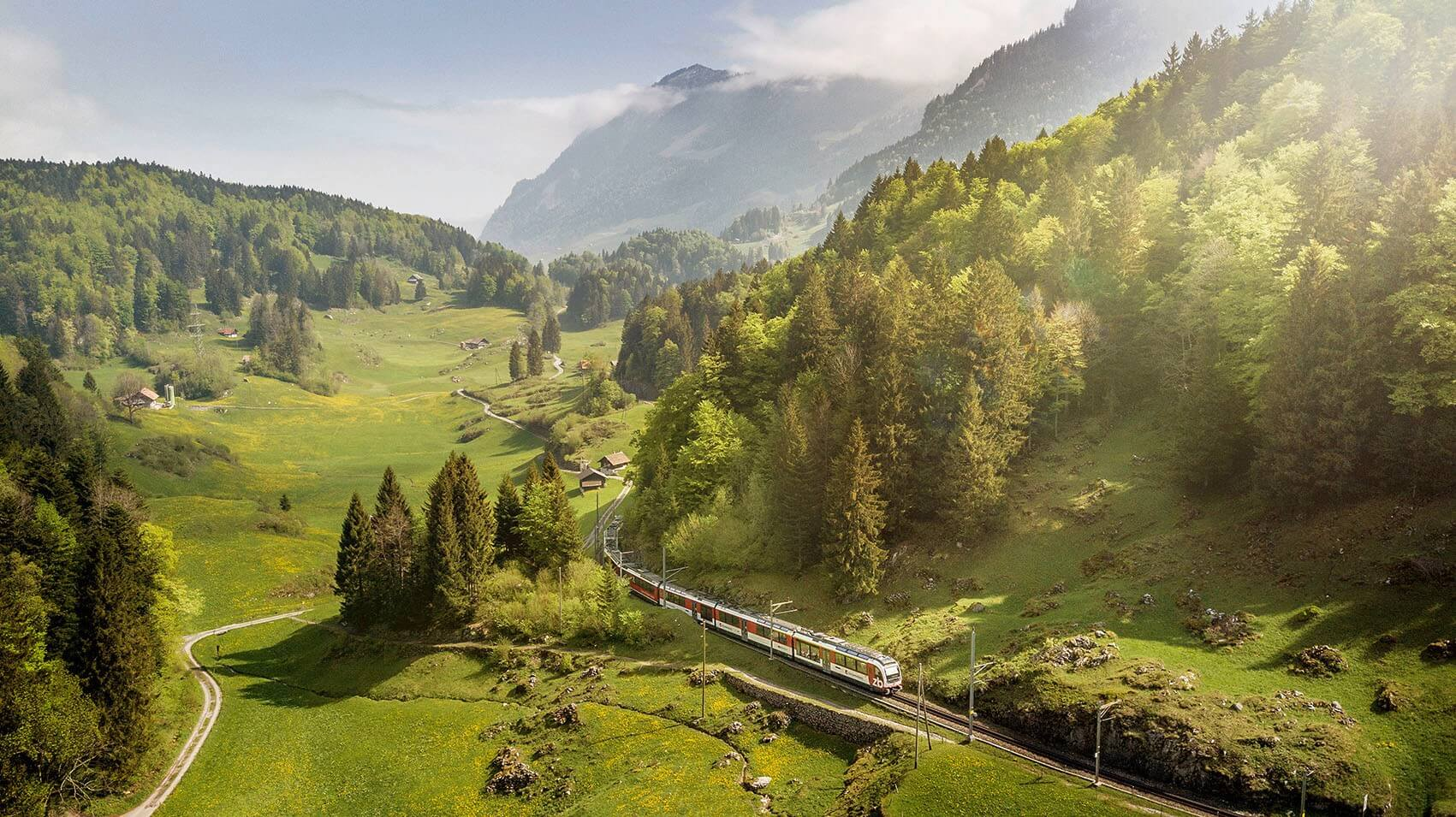 luzern-interlaken-express-sommer-zentralbahn-haslital