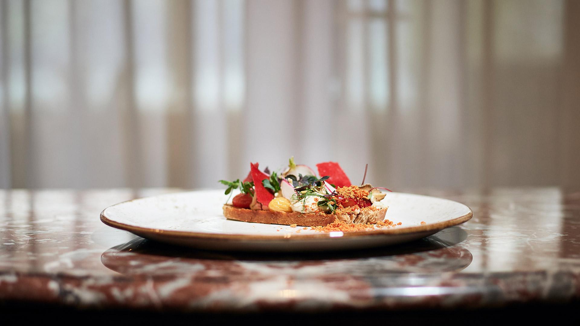 restaurant-belvedere-spiez-gericht-nahaufnahme.jpg