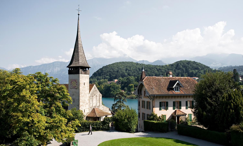 schloss spiez_schlosskirche-1000 jährige kirche-spiez_sommer.jpg