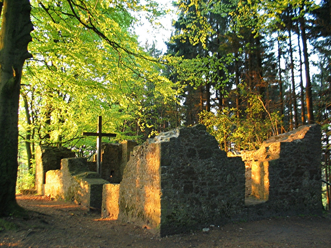 Hünenkapelle auf dem Tönsberg in Oerlinghausen